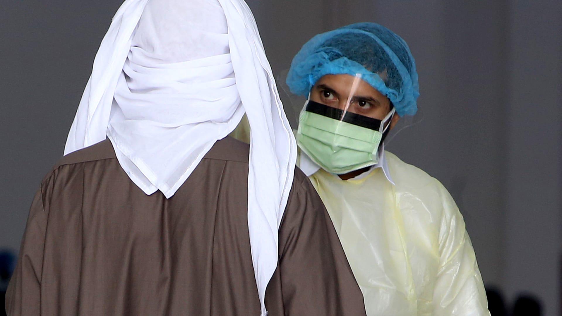 """علماء: فيروس كورونا ربما انتشر بين البشر منذ سنوات قبل أن يتحول الى """"وحش"""""""