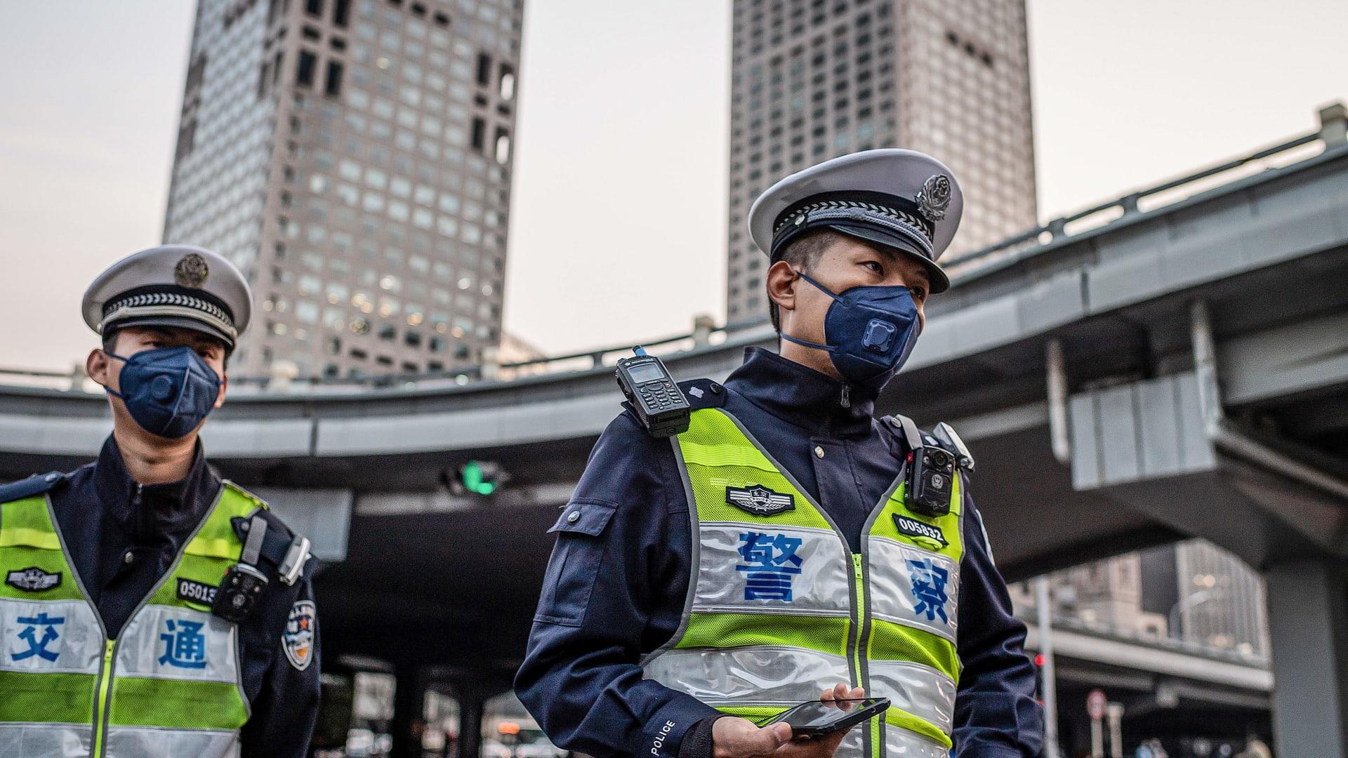 بعد أشهر من الإغلاق بسبب كورونا.. الحياة تعود إلى شوارع الصين ووجهاتها الشهيرة