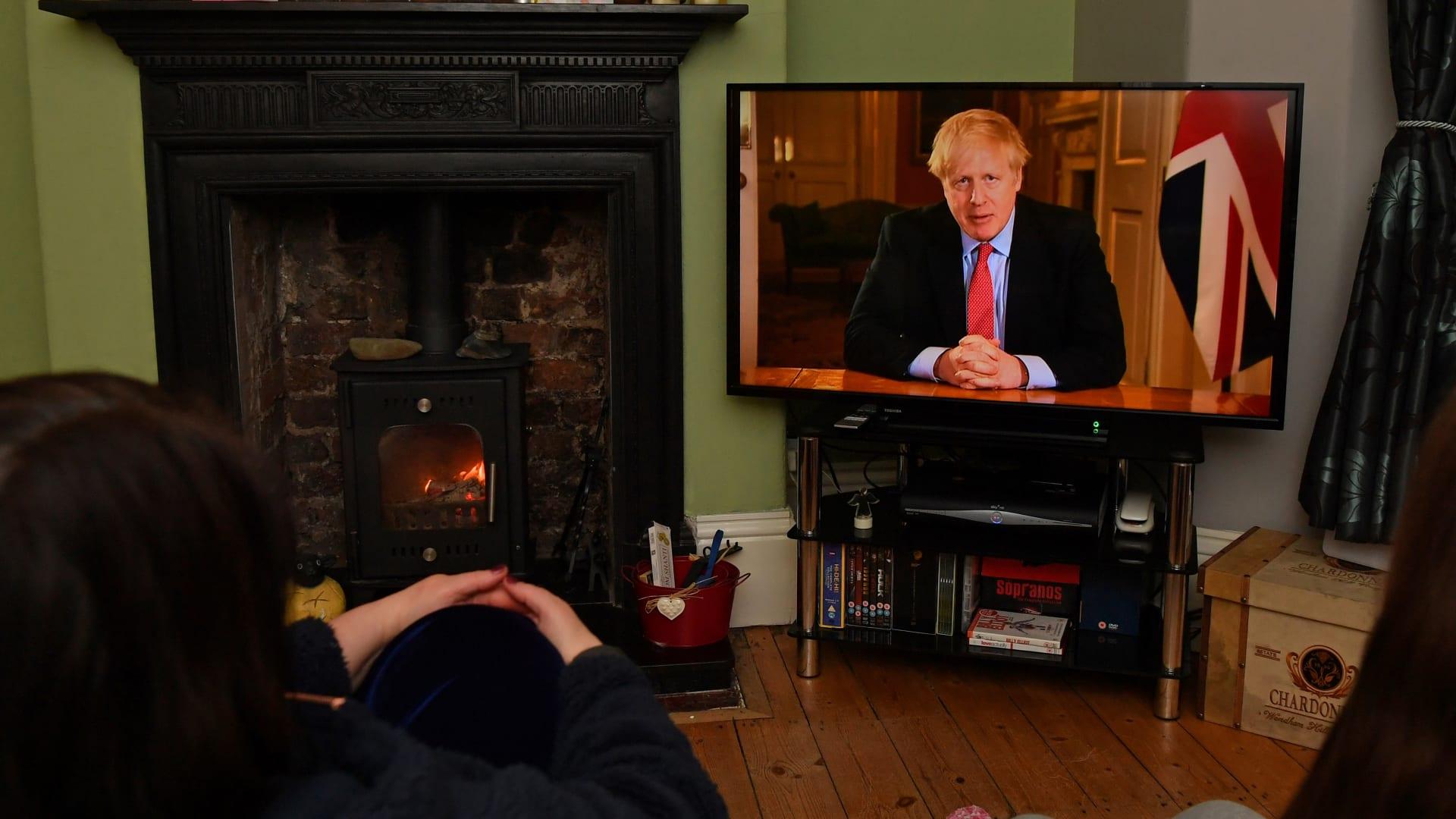 لماذا وقع اختيار بوريس جونسون على دومينيك راب لينوبه في رئاسة وزراء بريطانيا؟