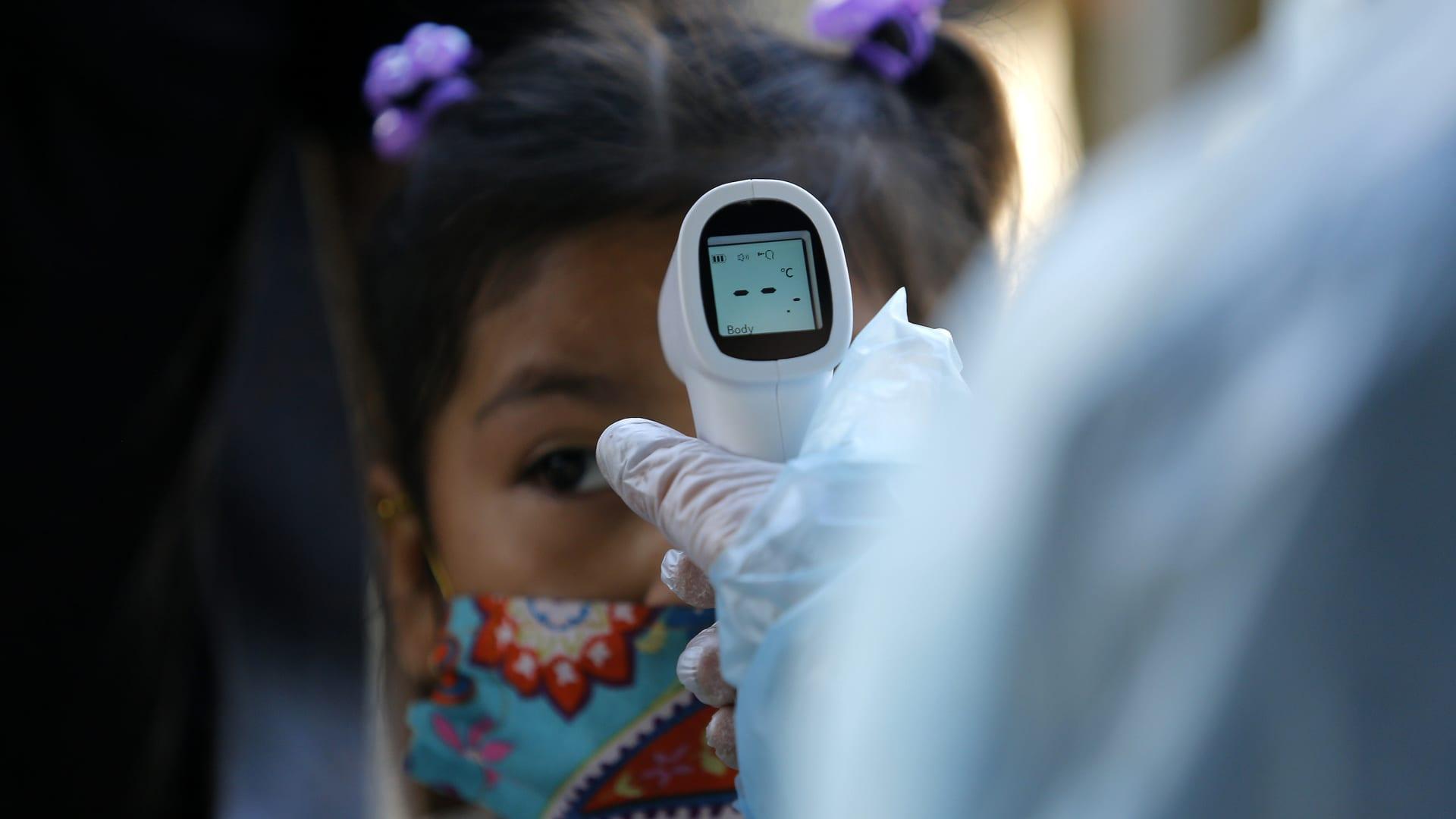 مرض غامض يصيب الأطفال قد يرتبط بفيروس كورونا.. إليكم أعراضه