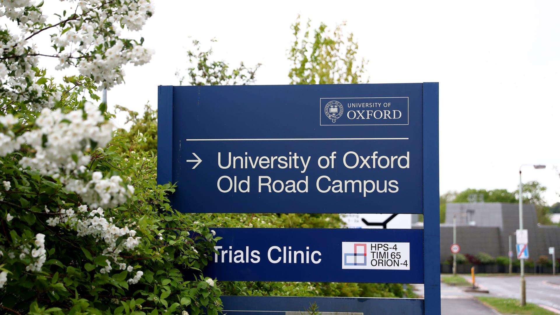 متطوعون في تجارب لقاح فيروس كورونا بجامعة أوكسفورد يتحدثون عن التجربة