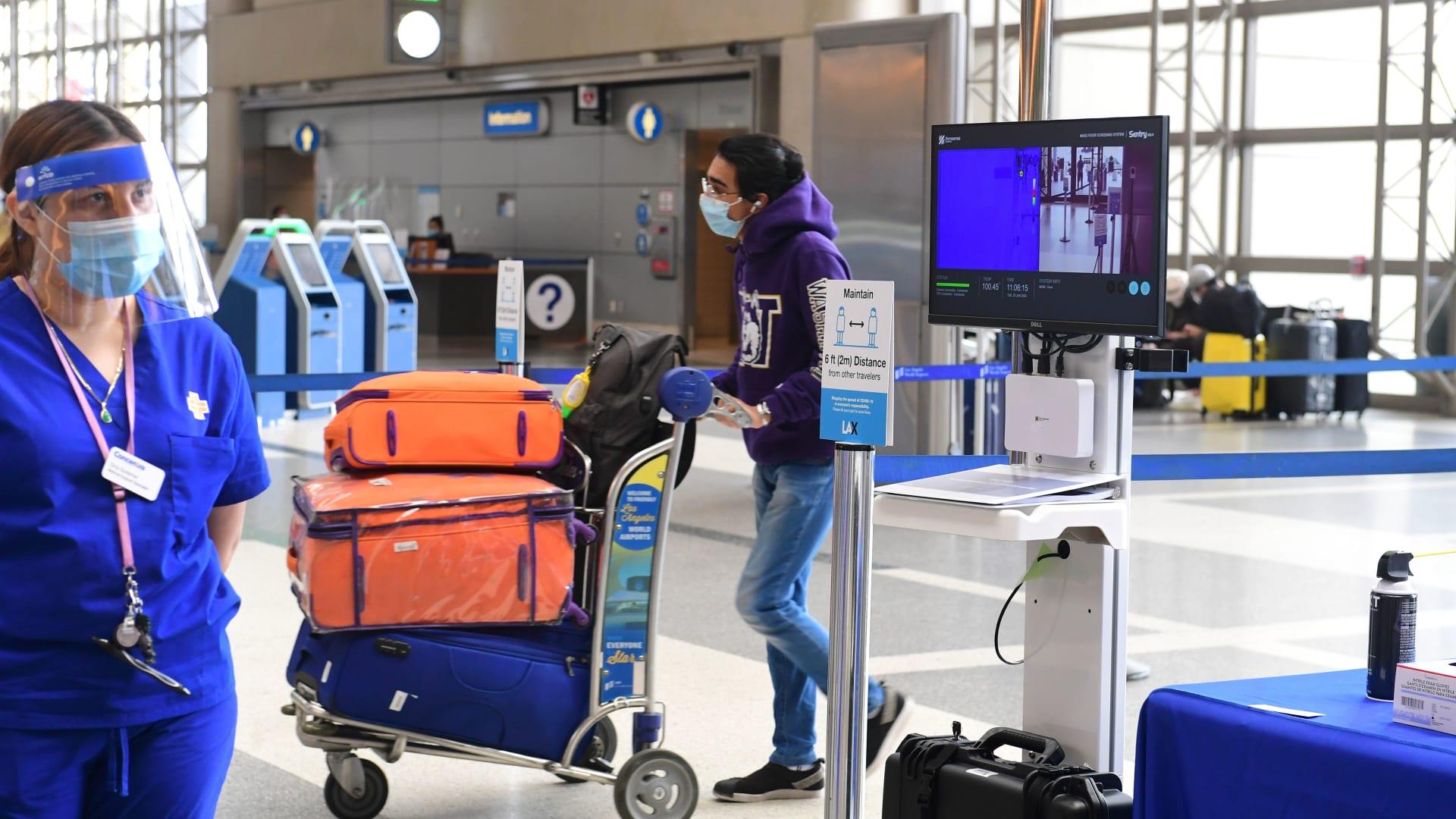 الاتحاد الأوروبي قد يمنع دخول المسافرين الأمريكيين بسبب كورونا