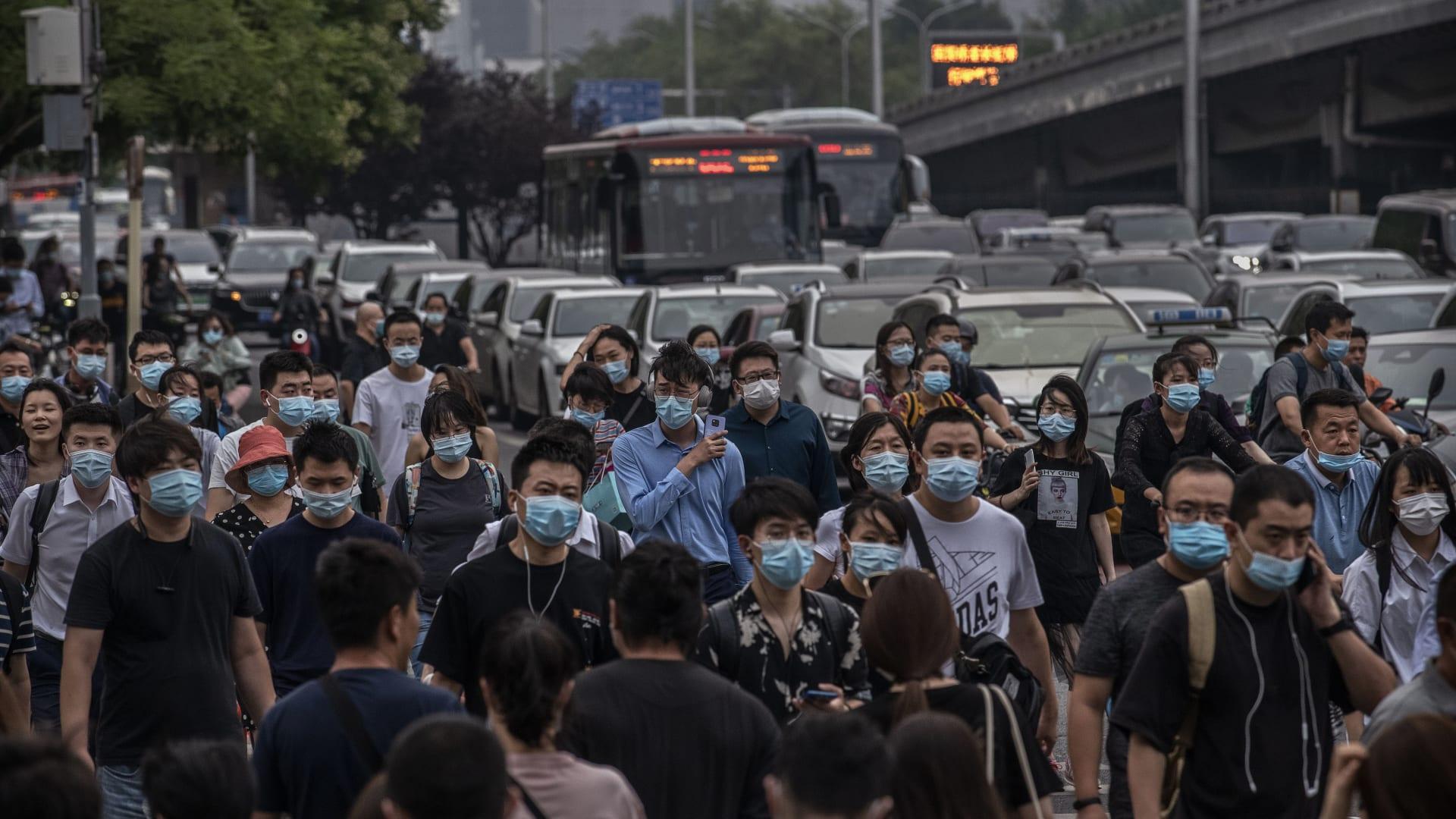 """""""عد إلى الصين.. لقد جلبت فيروس كورونا هنا"""".. استهداف أطفال أمريكيين من أصل آسيوي بسبب كوفيد-19"""