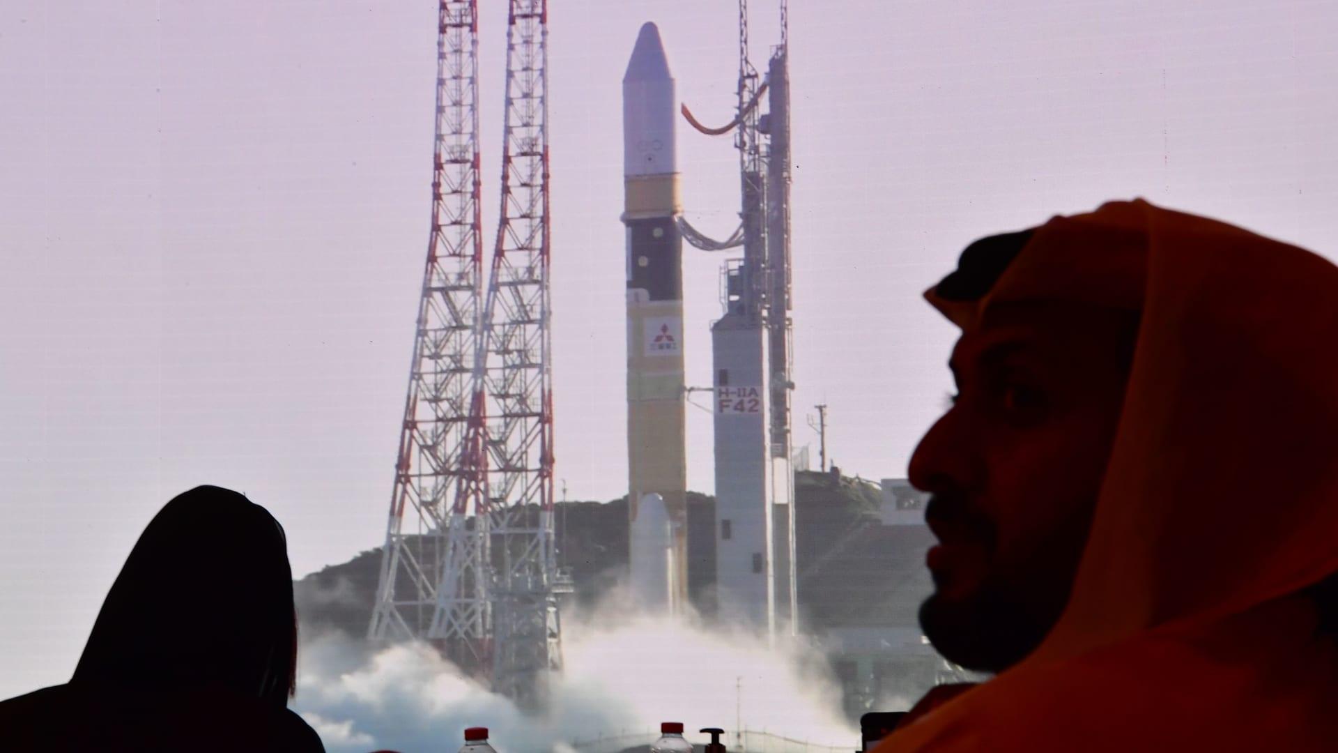شاهد.. اللحظات الأولى لانطلاق مسبار الأمل إلى كوكب المريخ