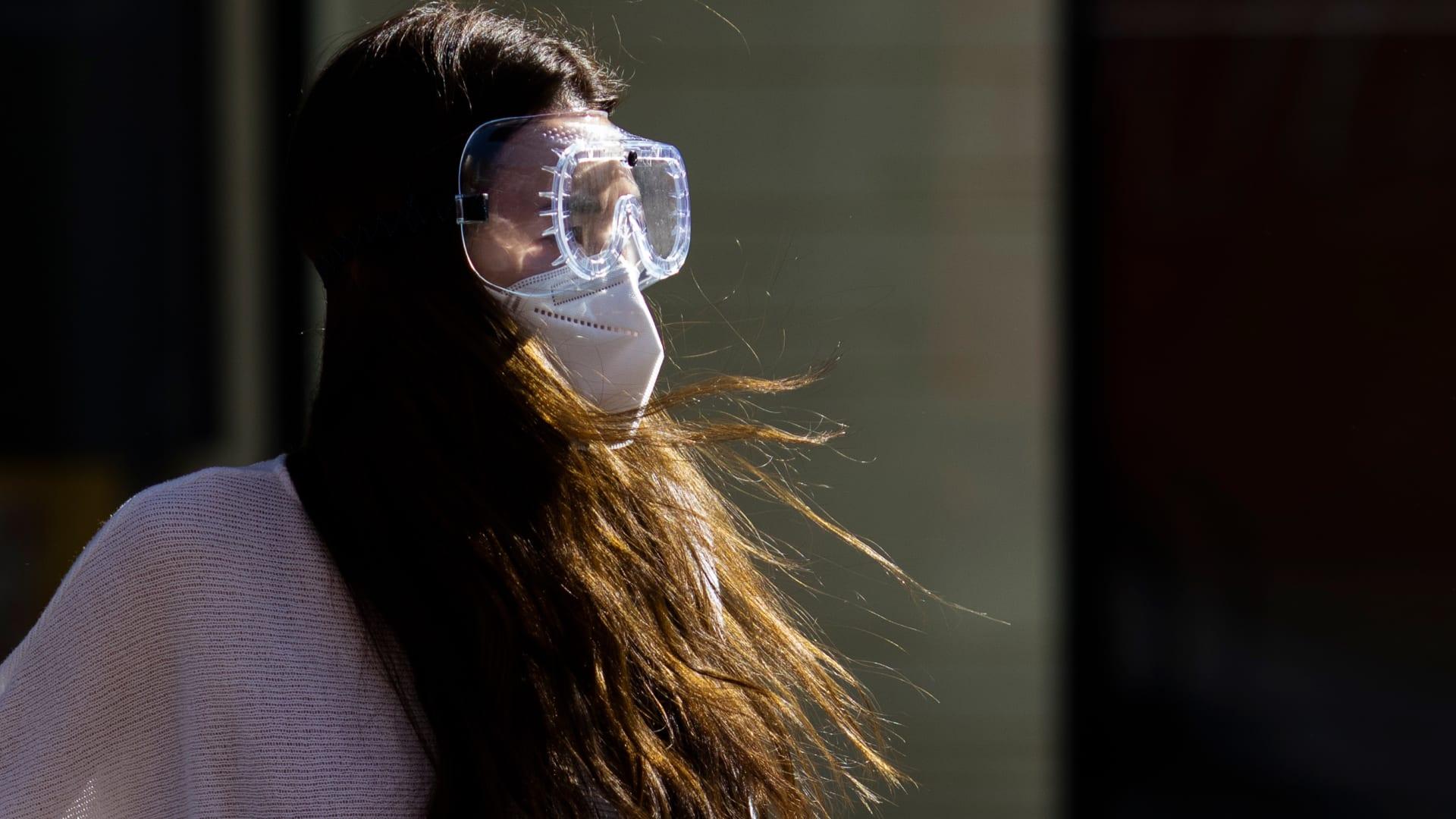 هل الكمامات كافية للحماية من فيروس كورونا؟