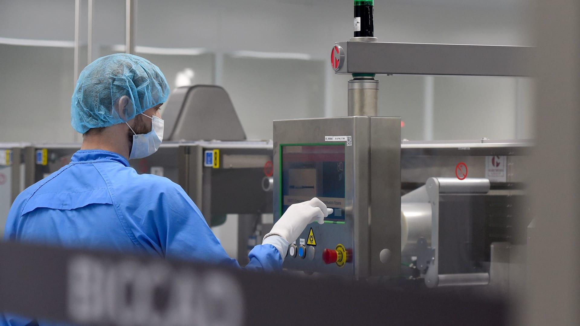 روسيا تعتزم الموافقة على لقاح فيروس كورونا خلال أسبوعين