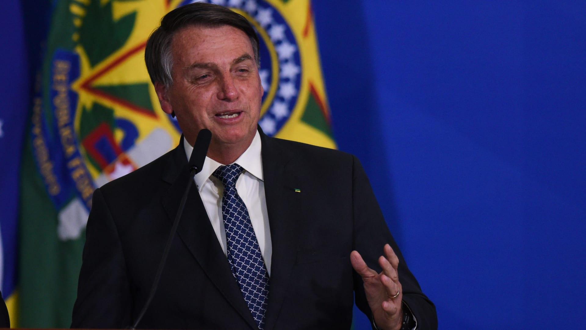 في تحد لبولسنارو.. الكونغرس البرازيلي يقر فرض ارتداء الكمامات