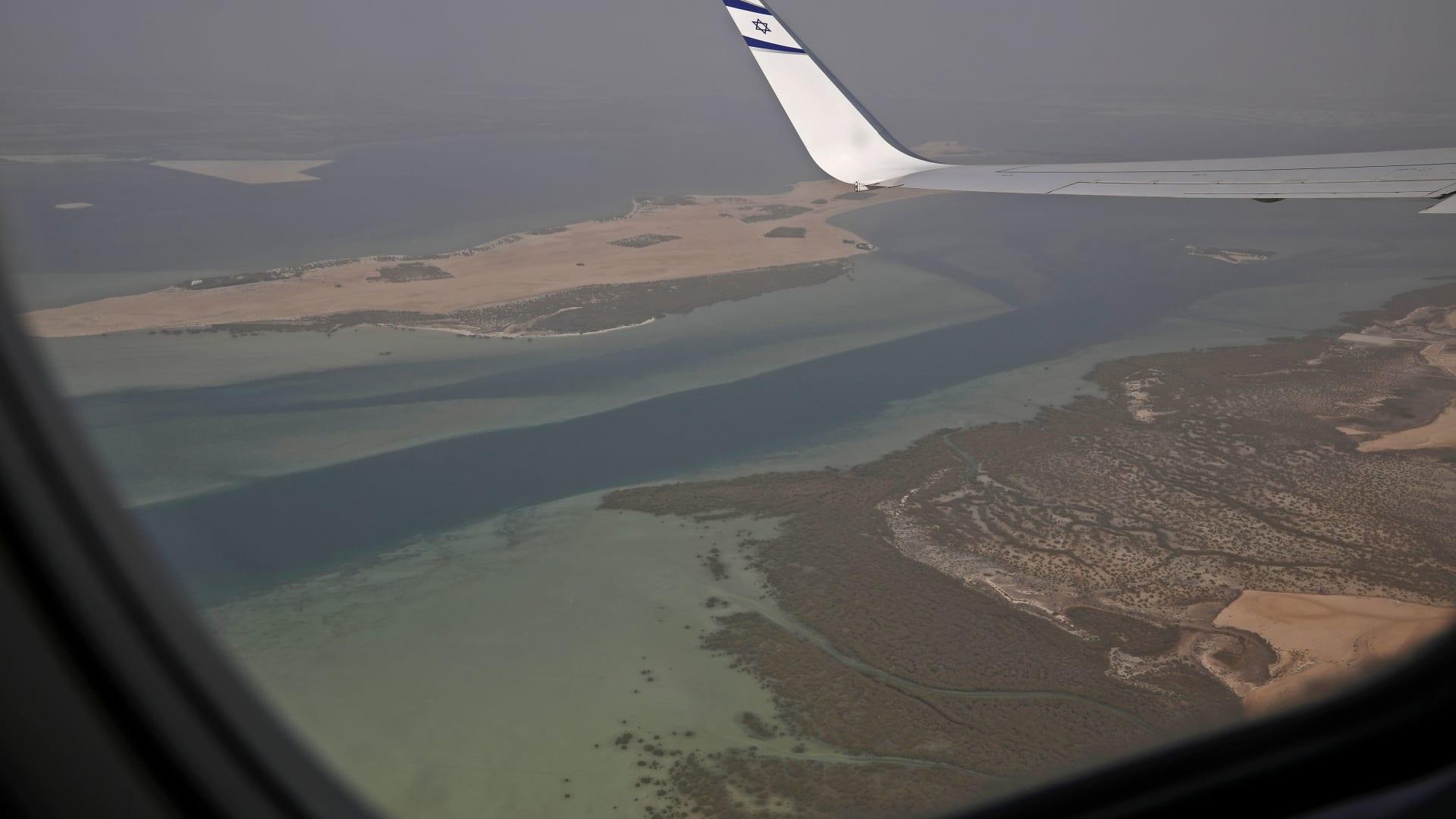 فوق أجواء المملكة العربية السعودية.. هذا ما قاله كوشنر للصحفيين على متن الطائرة