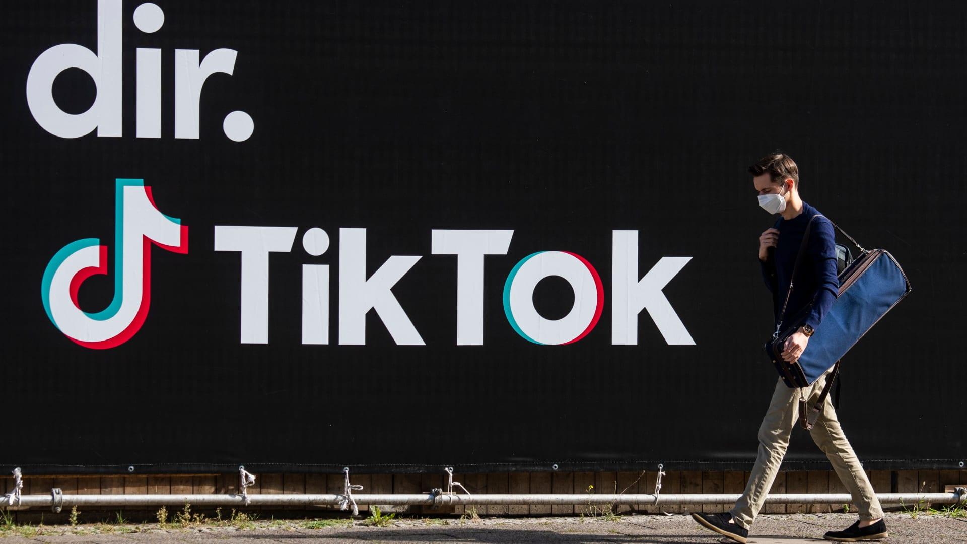 """من بينها """"تيك توك"""".. الهند تحظر العديد من التطبيقات الصينية"""