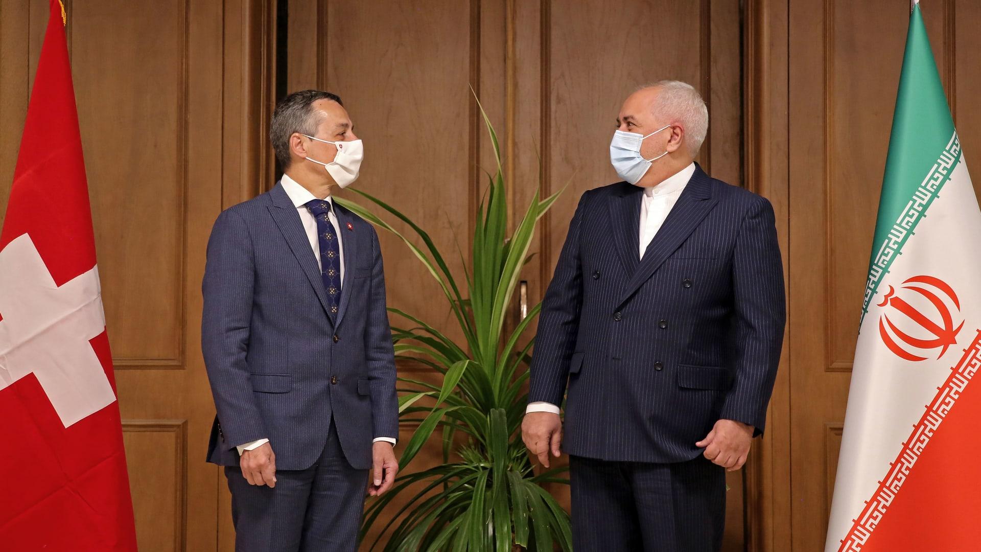 رسائل مزيفة وطرق تزوير.. إيران وروسيا تحاولان التدخل في الانتخابات الأمريكية
