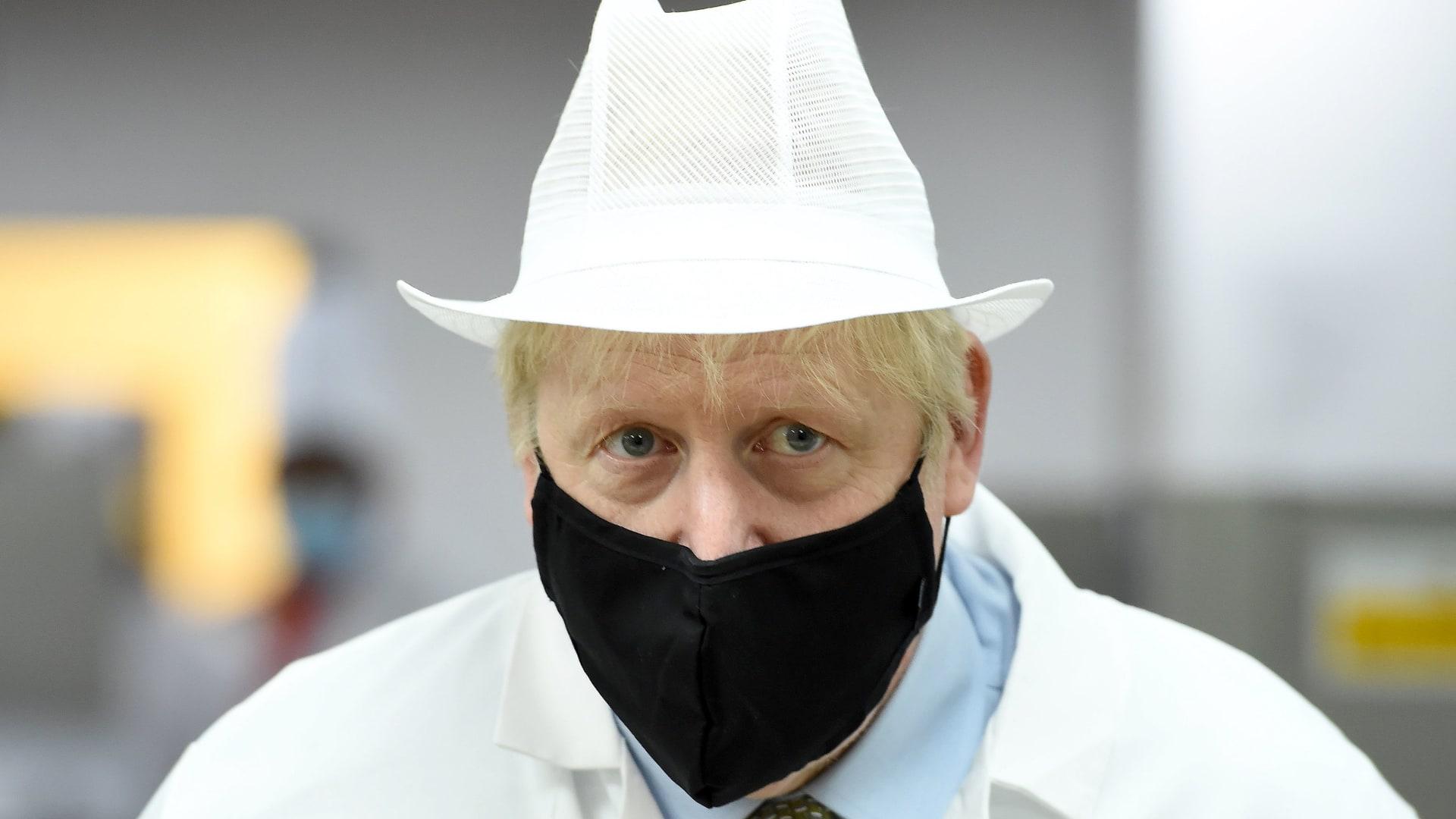 مع اقتراب الموجة الثانية.. إغلاق تام ثان يتسبب باحتجاجات في بريطانيا