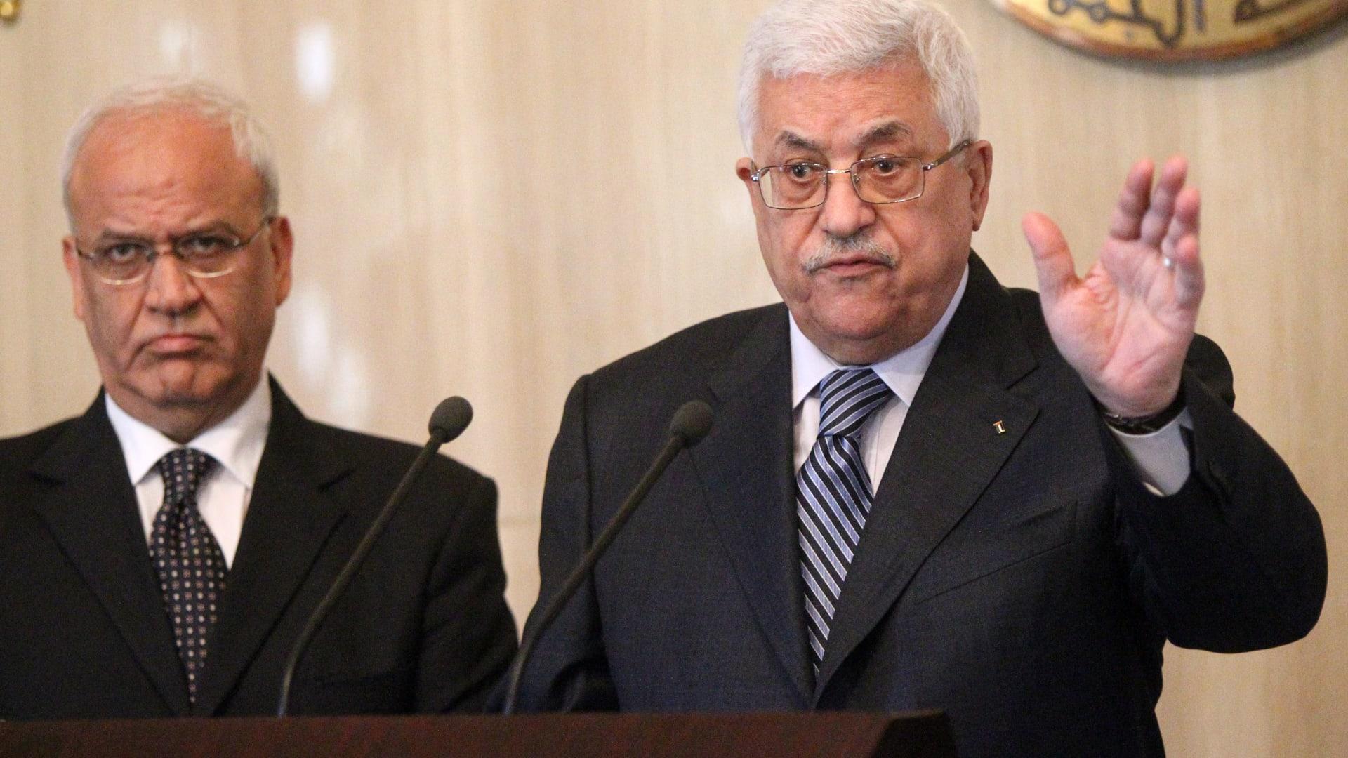 """وفاة صائب عريقات.. الرجل الذي لم يتخل عن """"المهمة المستحيلة"""" في الصراع الإسرائيلي-الفلسطيني"""
