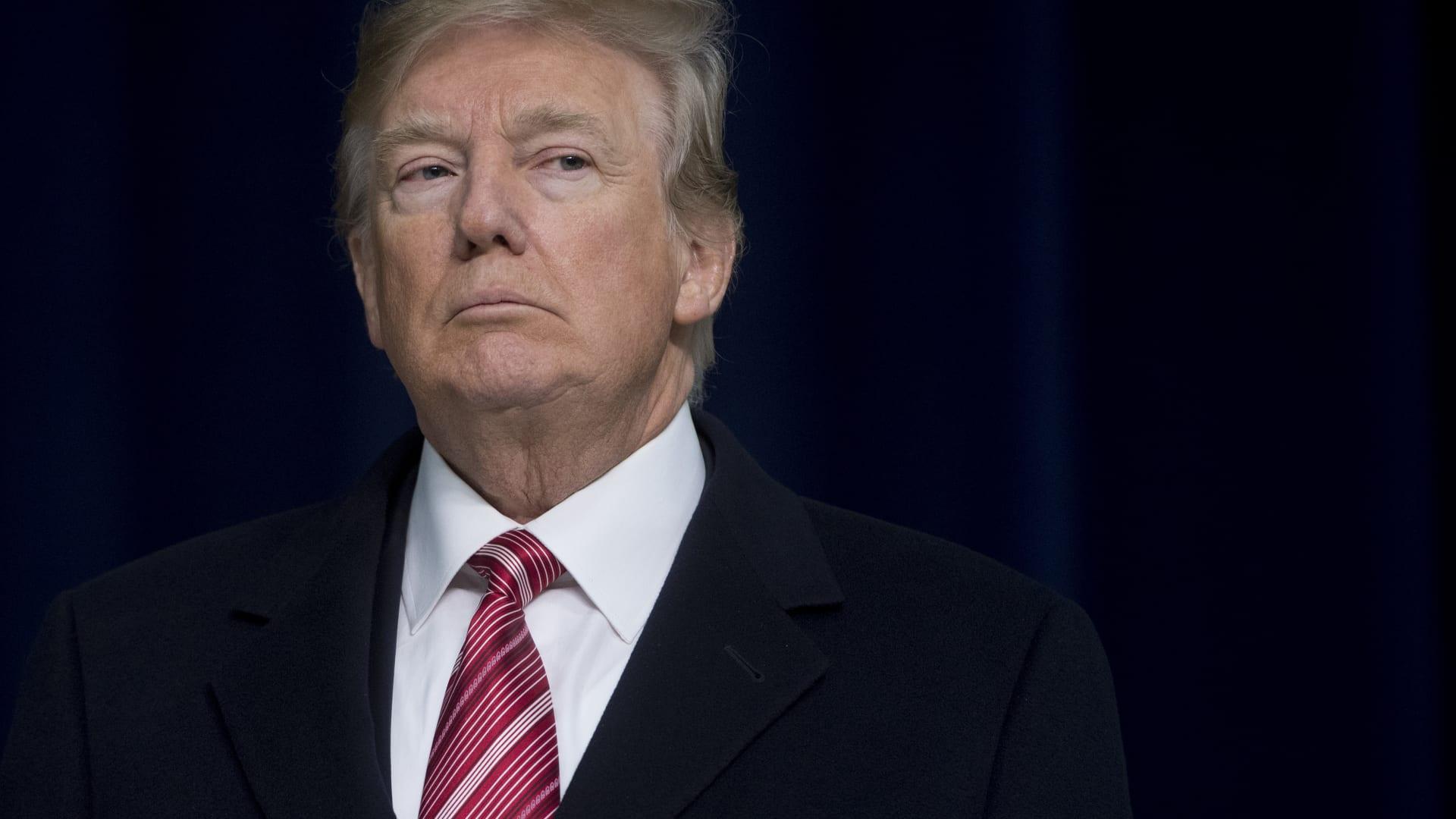 بيرني ساندرز عن عدم تنازل ترامب: أمر مشين وغير أمريكي على الإطلاق