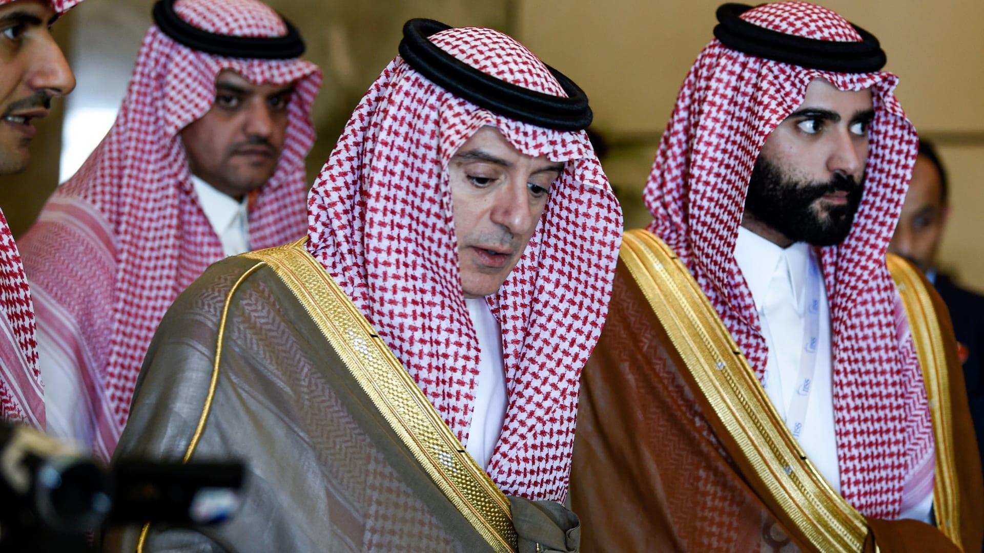شاهد كيف رد الجبير عندما سأله مذيع CNN حول تهديدات بايدن للسعودية