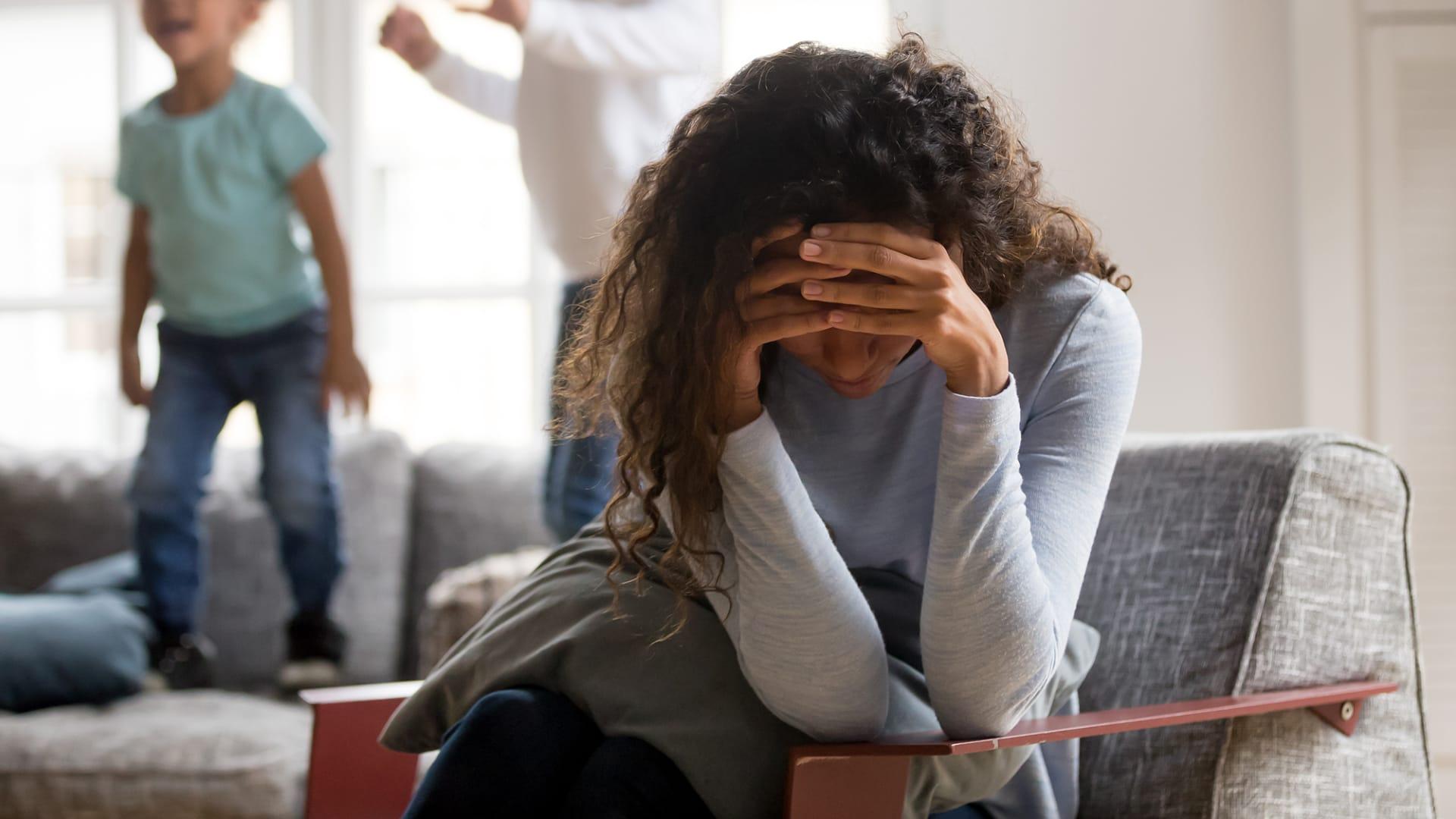 """ما هو """"التخدير النفسي"""".. وكيف يفسر رد فعل الناس تجاه جائحة فيروس كورونا؟"""