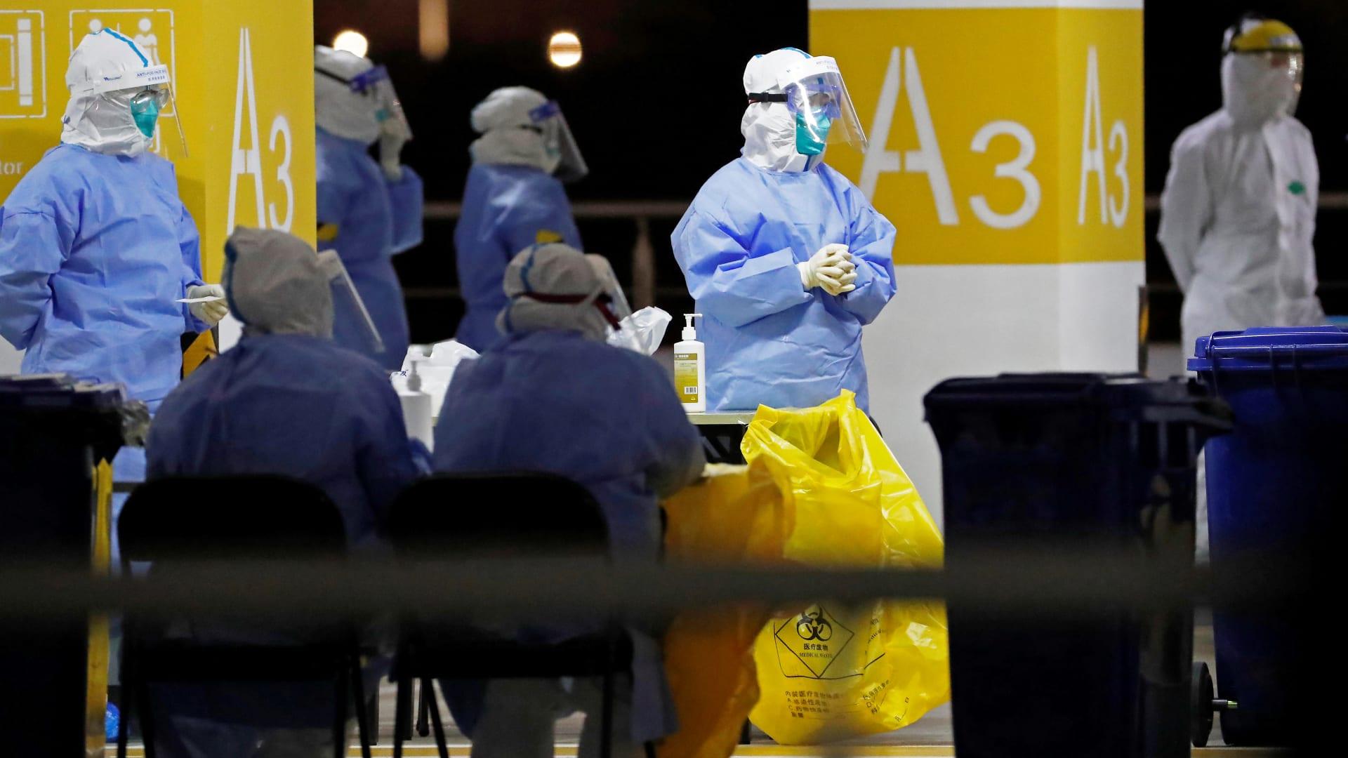 لماذا لا يشعر خبراء اللقاحات بالقلق من السلالة الجديدة لفيروس كورونا؟