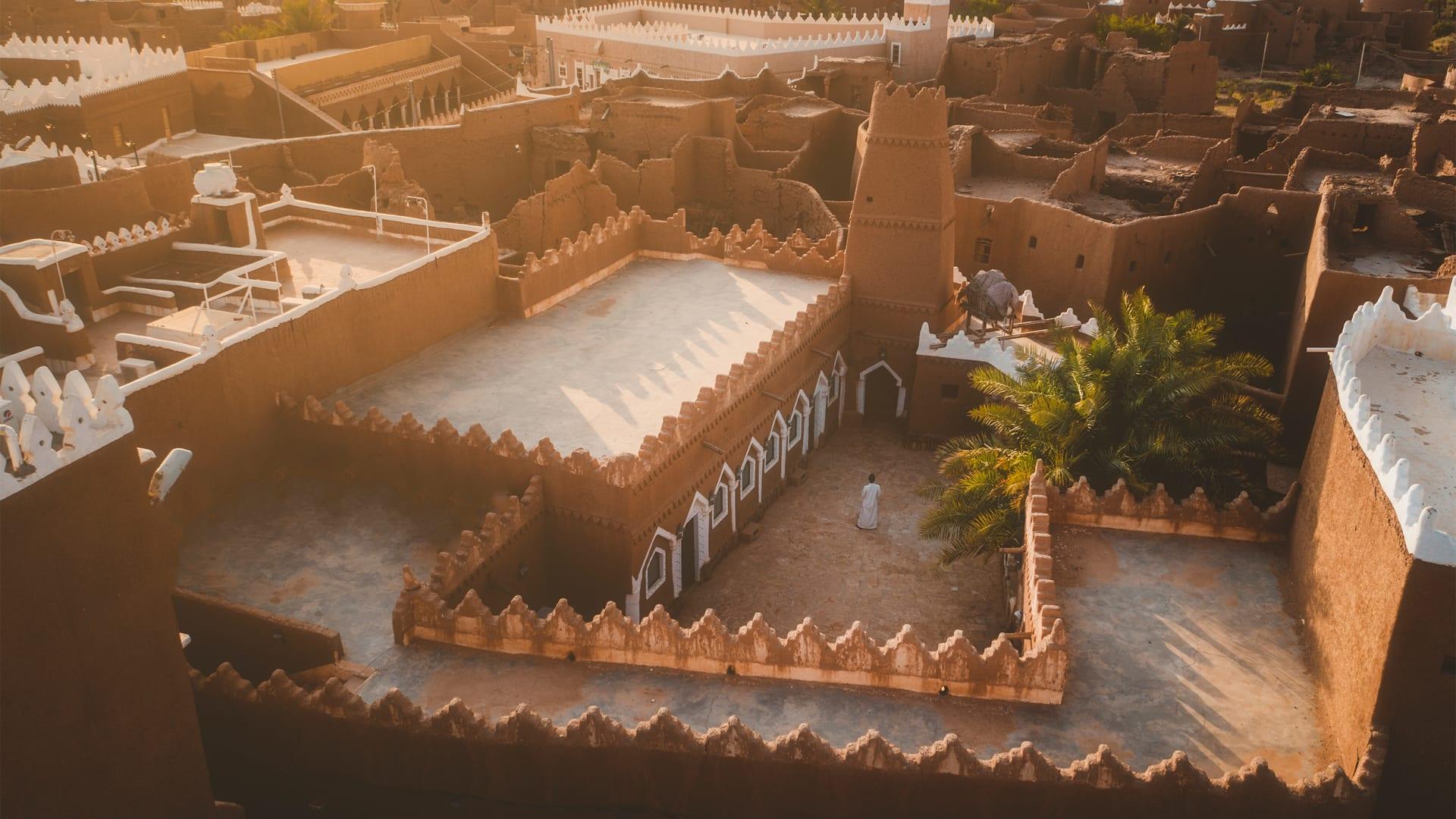 المصور فرحان سعود اللويش يوثق جبال المسمى في مدينة حائل السعودية