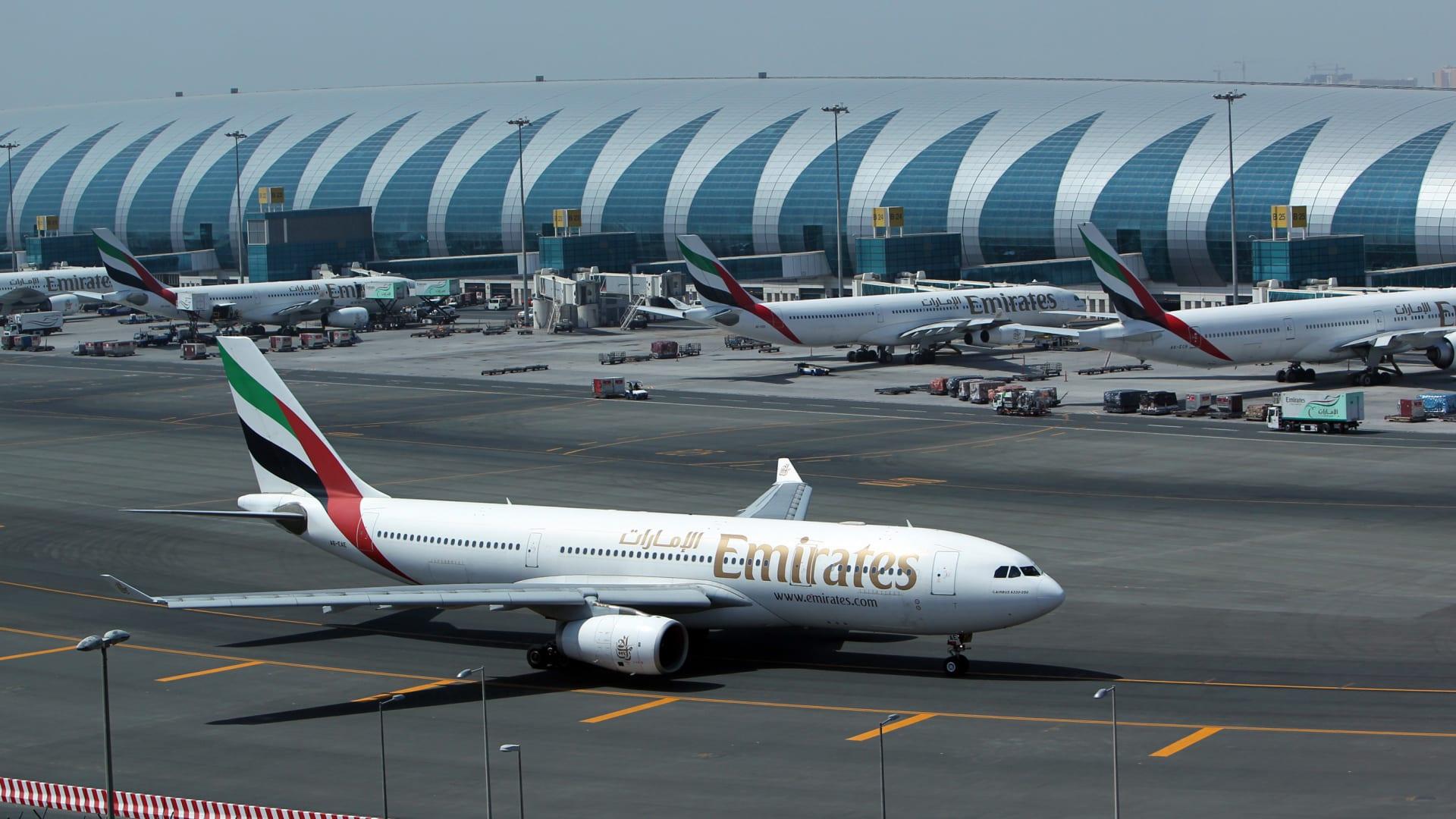 طيران الإمارات تعيد تسيير رحلاتها.. تجربة الطيران لن تكون ذاتها