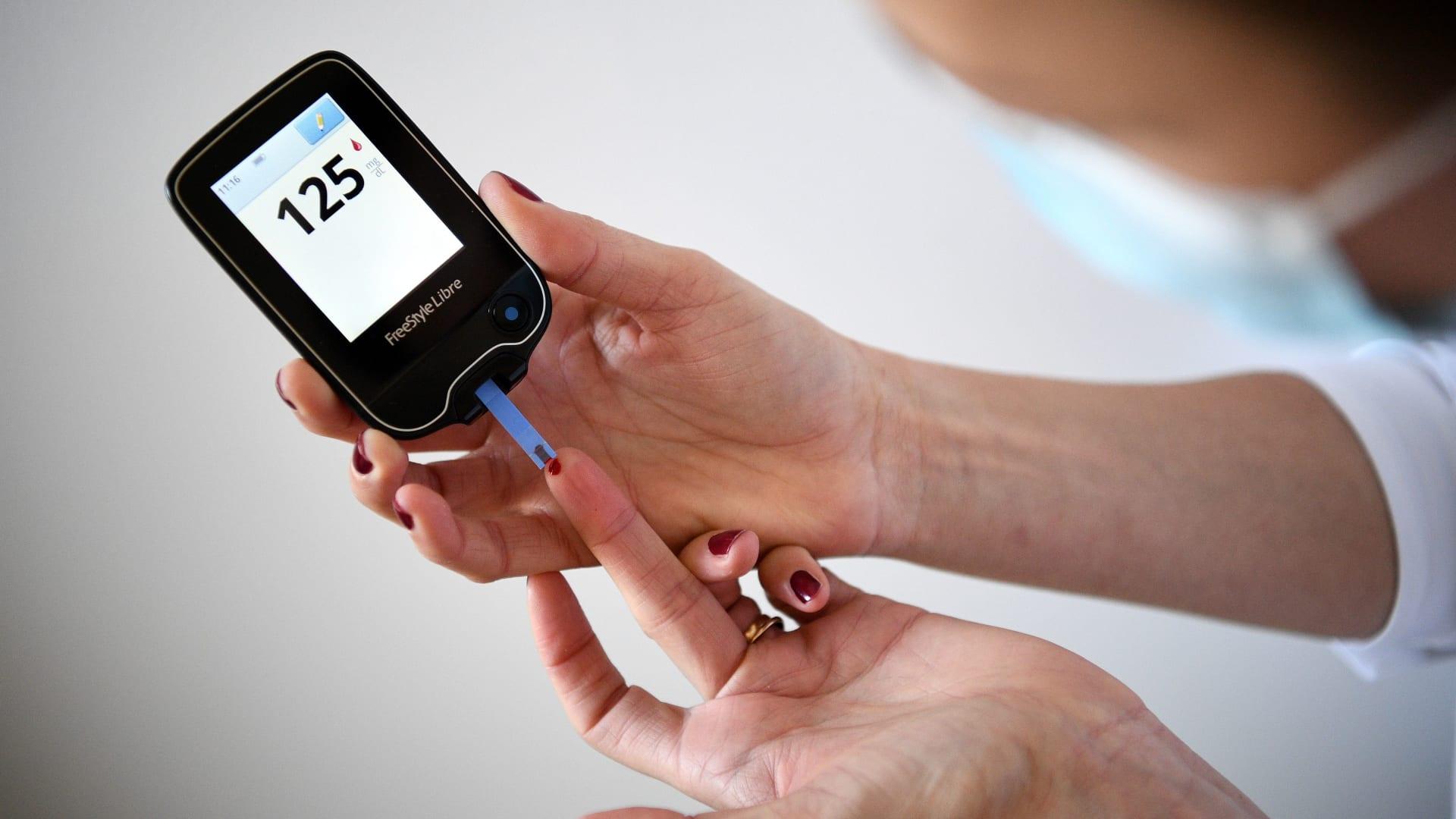 لمرضى السكري.. 10 أشياء يجب معرفتها عن تناول الإنسولين في وقت وجبات الطعام