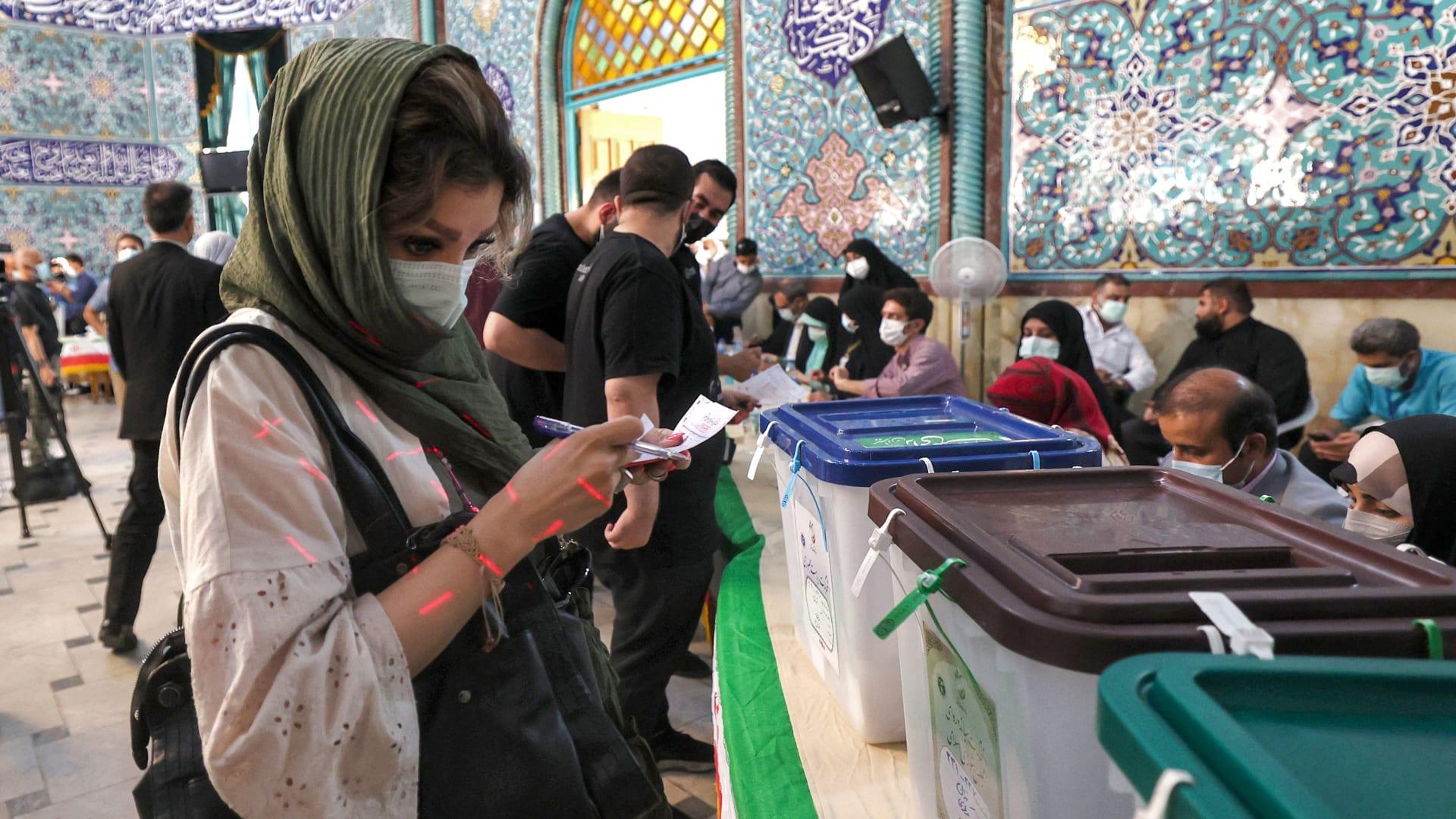 مع اقتراب الحسم.. هل تشهد سياسة إيران تغييرًا جذريًا؟