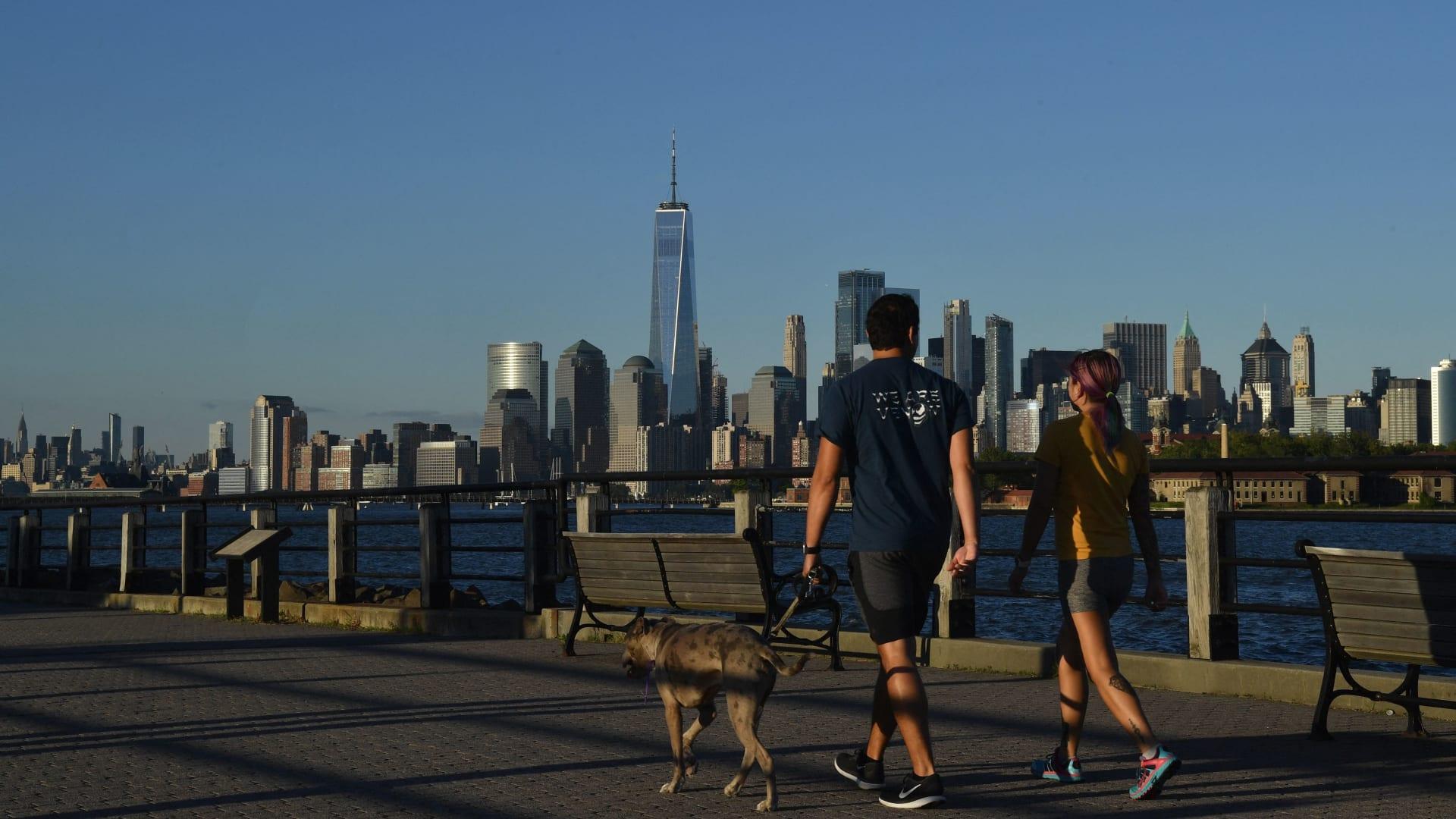 للمشي فوائد كثيرة.. كيف تزيد من هذا التمرين في حياتك؟