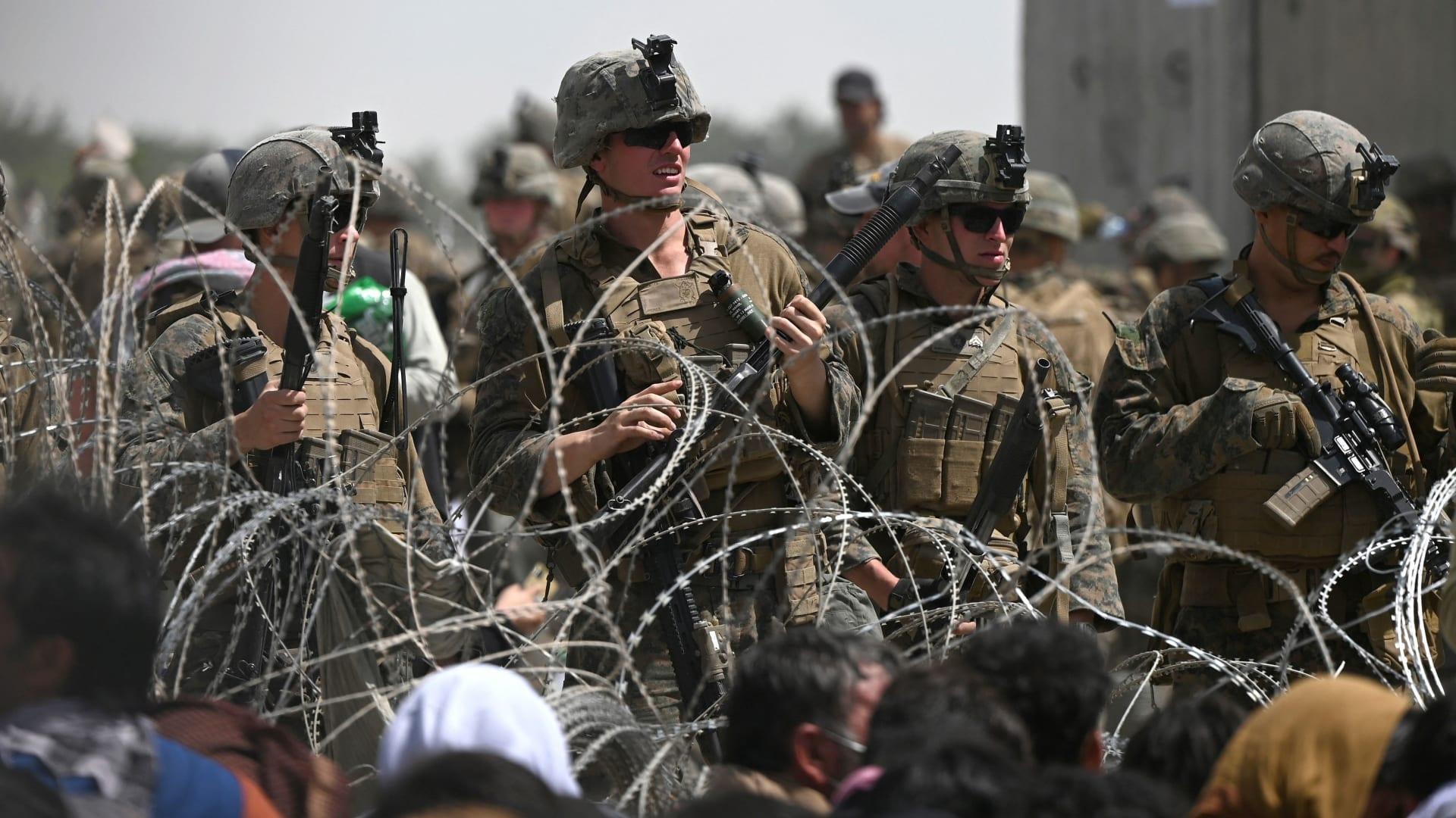 مراسلة CNN تسرد مخاطر نقل الأخبار من أفغانستان وتقارن وضعها بوضع صحفيين أفغان