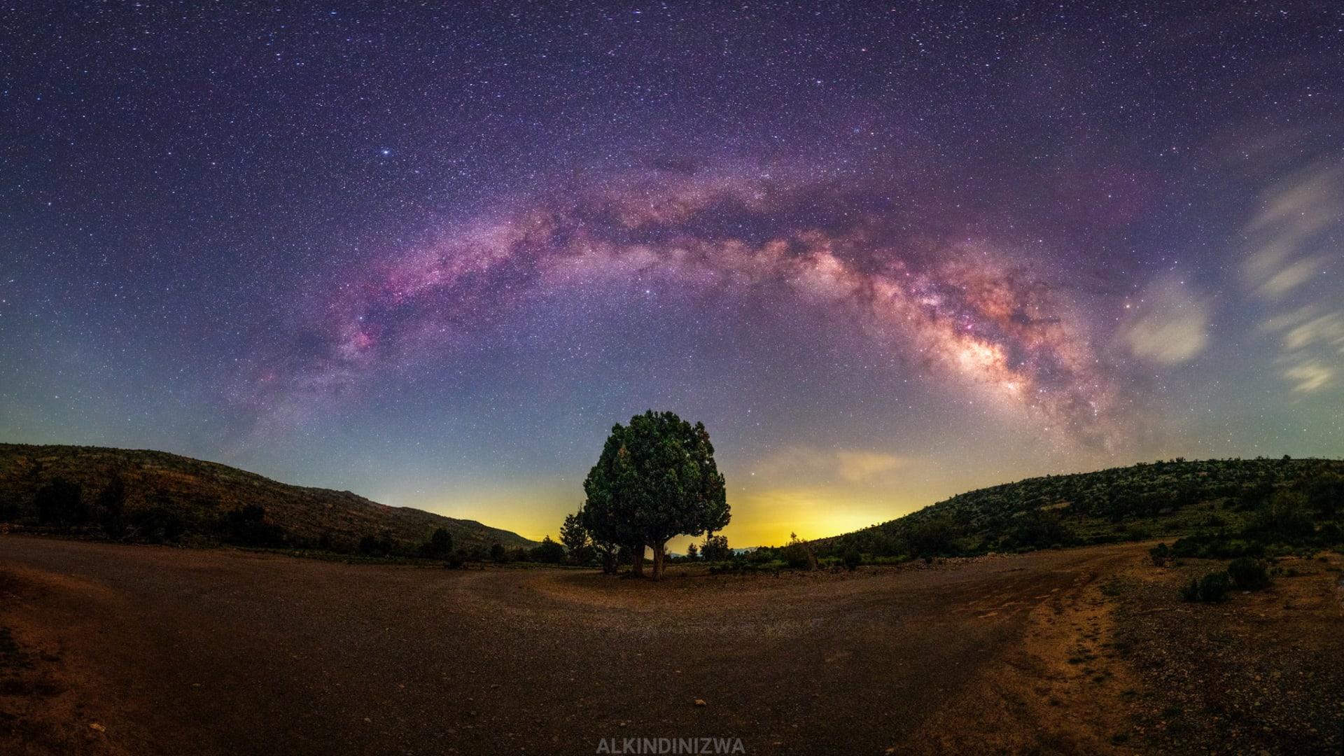 في سلطنة عُمان.. شاهد روائع الكون من محمية الحجر الغربي لأضواء النجوم