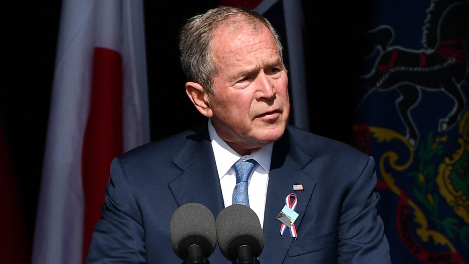 """هجمات سبتمبر.. بوش: المتطرفون العنيفون داخل أمريكا """"نسل من نفس الروح الكريهة"""" thumbnail"""