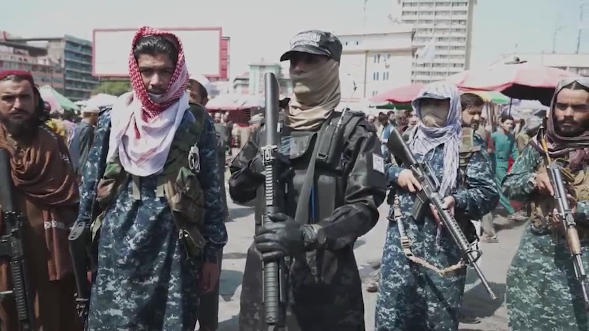 قائد طالبان منصور حقاني يتعهد بتطبيق الشريعة ضد الفساد والسرقة في كابول