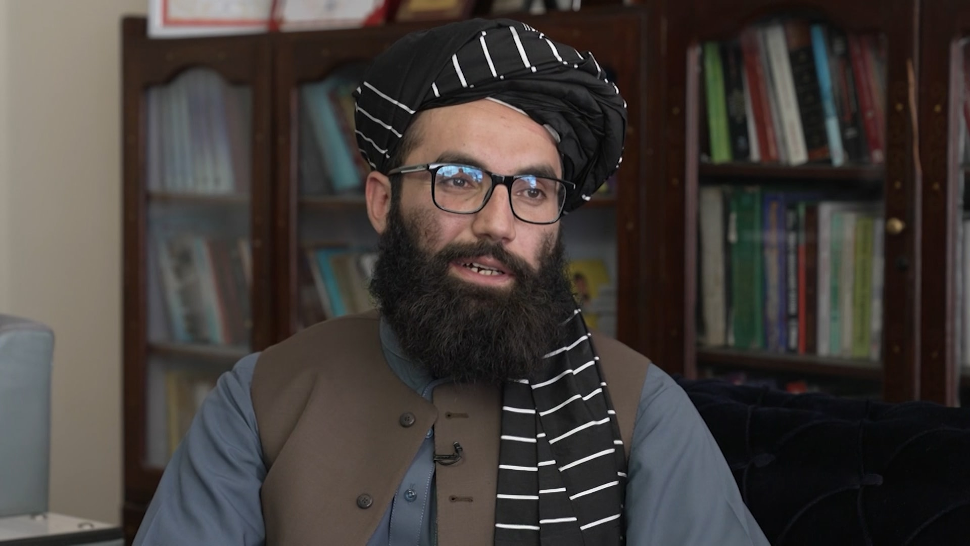 """زعيم شبكة حقاني لـCNN: الغرب لن يجبرنا على نسخ ثقافته.. والاعتراف بحكومة طالبان """"مصلحة"""""""