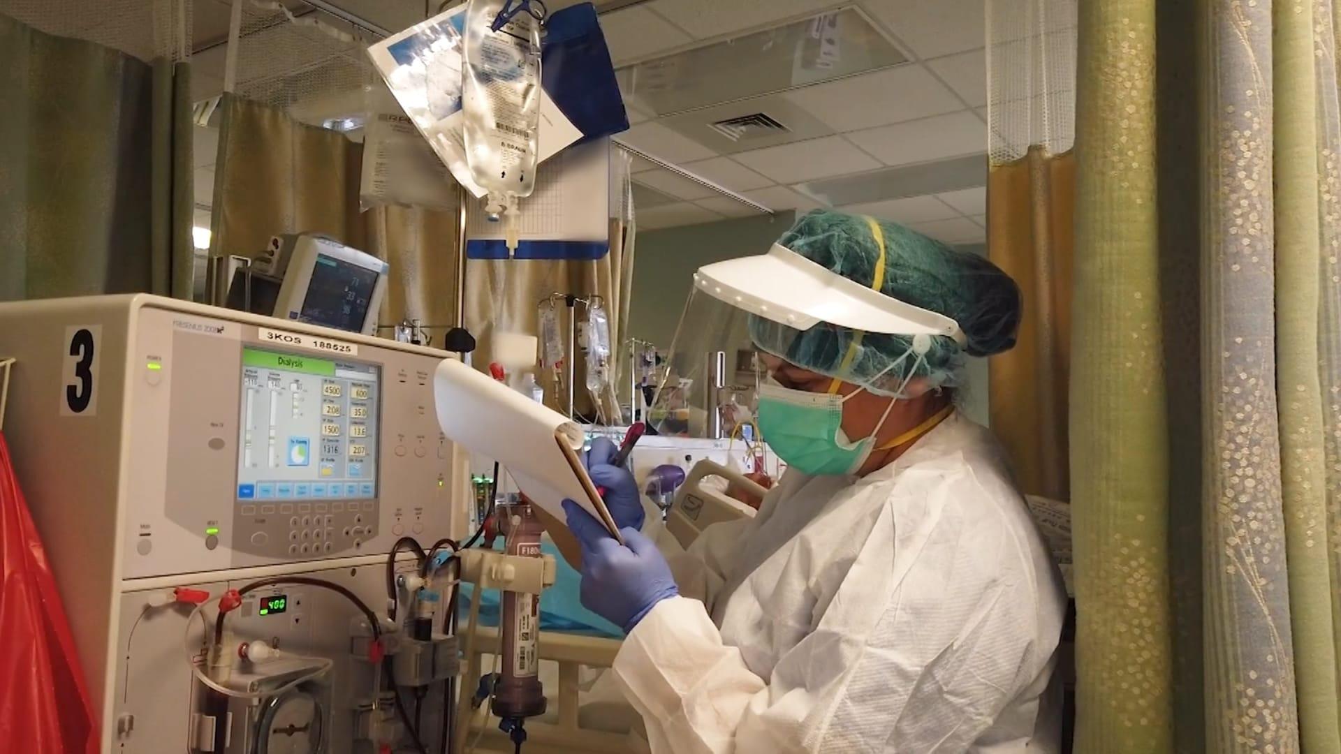 الفاتورة قد تصل 300 ألف دولار.. كم تبلغ تكلفة العلاج من كورونا في مستشفيات أمريكا؟