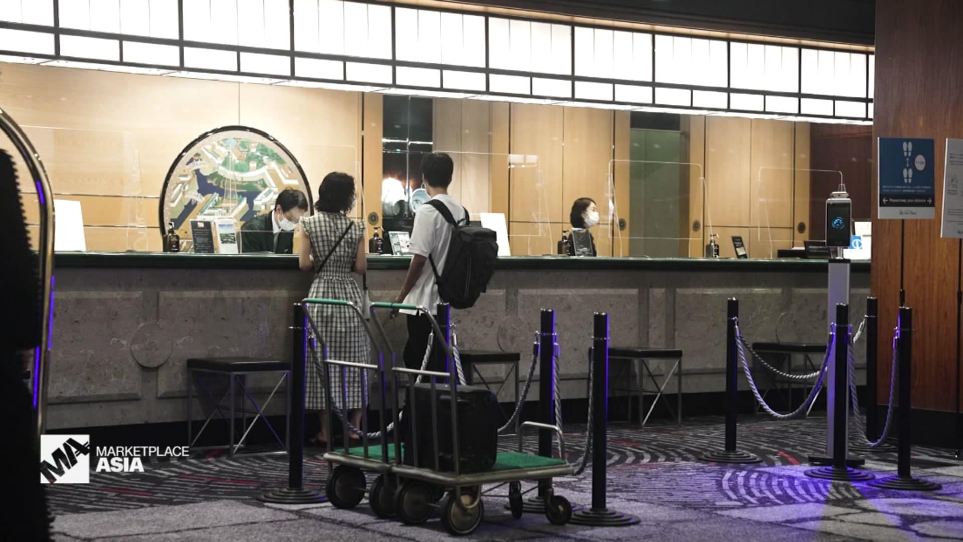 شاهد كيف استغلت الفنادق العمل عن بعد في ظل الوباء؟ thumbnail