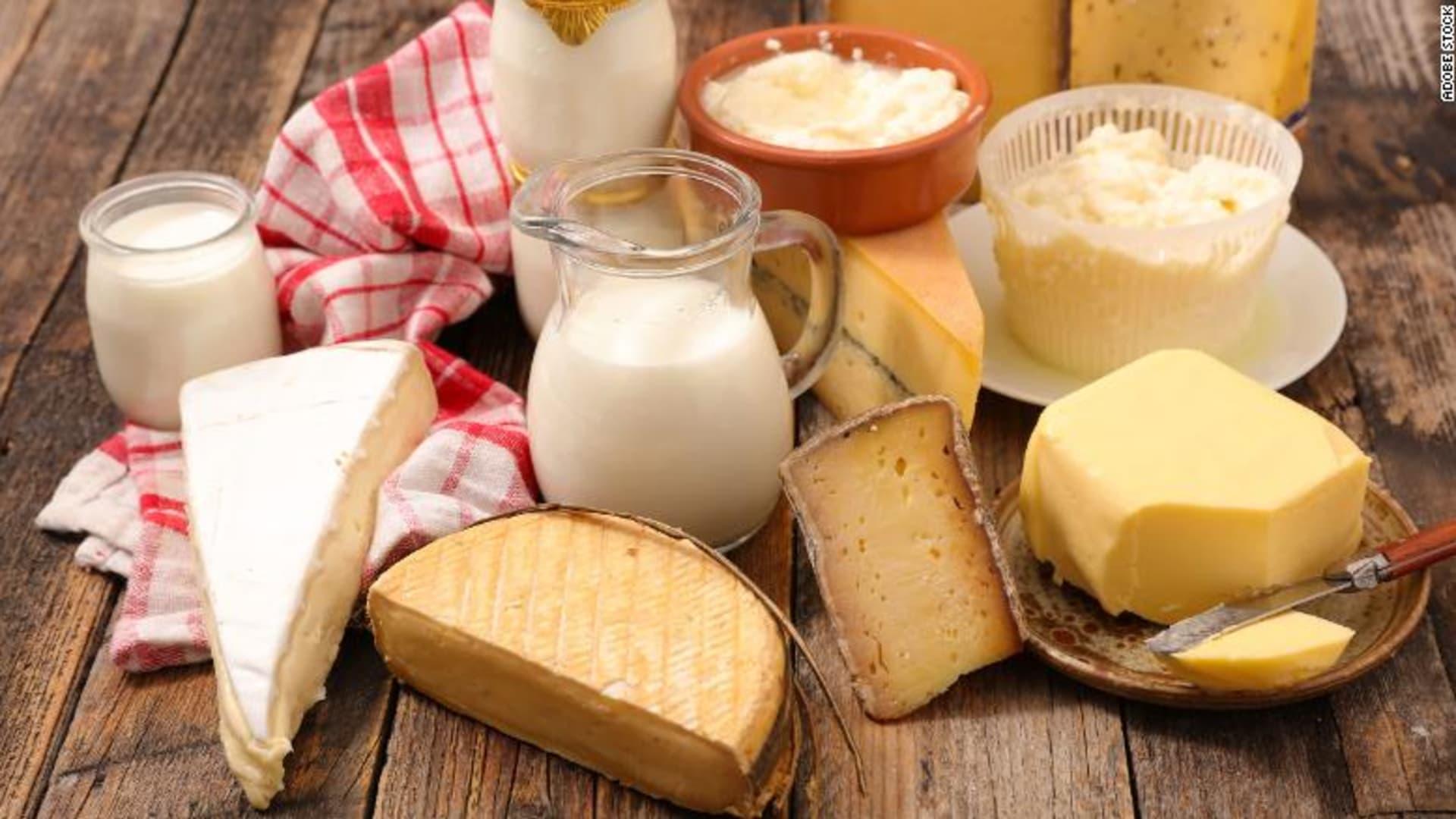 لعشاق تناول مشتقات الحليب الدسمة: اطمئنوا على قلوبكم