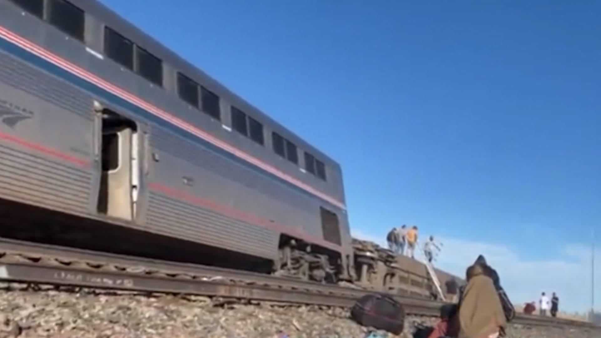 مقتل وإصابة العشرات بعد خروج قطار عن مساره في ولاية مونتانا الأمريكية