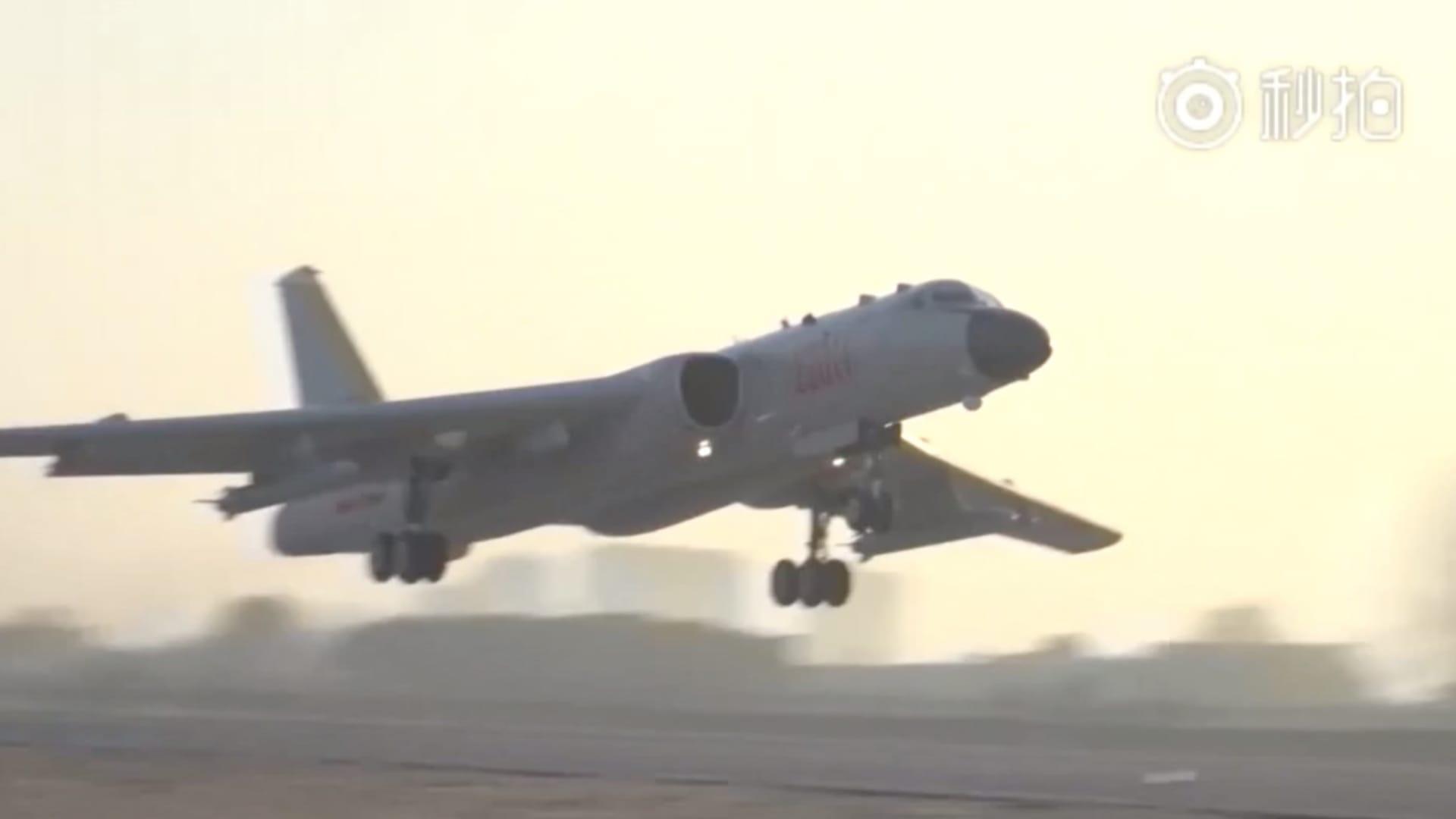 الصين ترسل أكثر من 30 طائرة حربية في استعراض للقوة بالقرب من تايوان