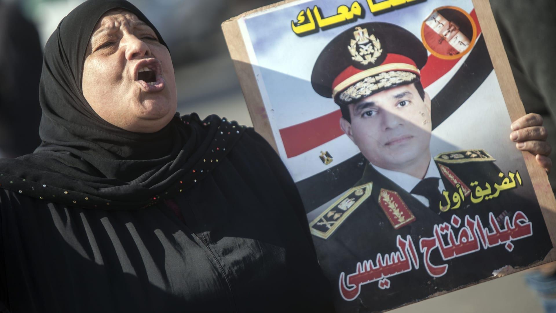 """صحف: """"السيسي فوبيا"""" بأمريكا وحقيقة ظهور عمر سليمان في القاهرة"""
