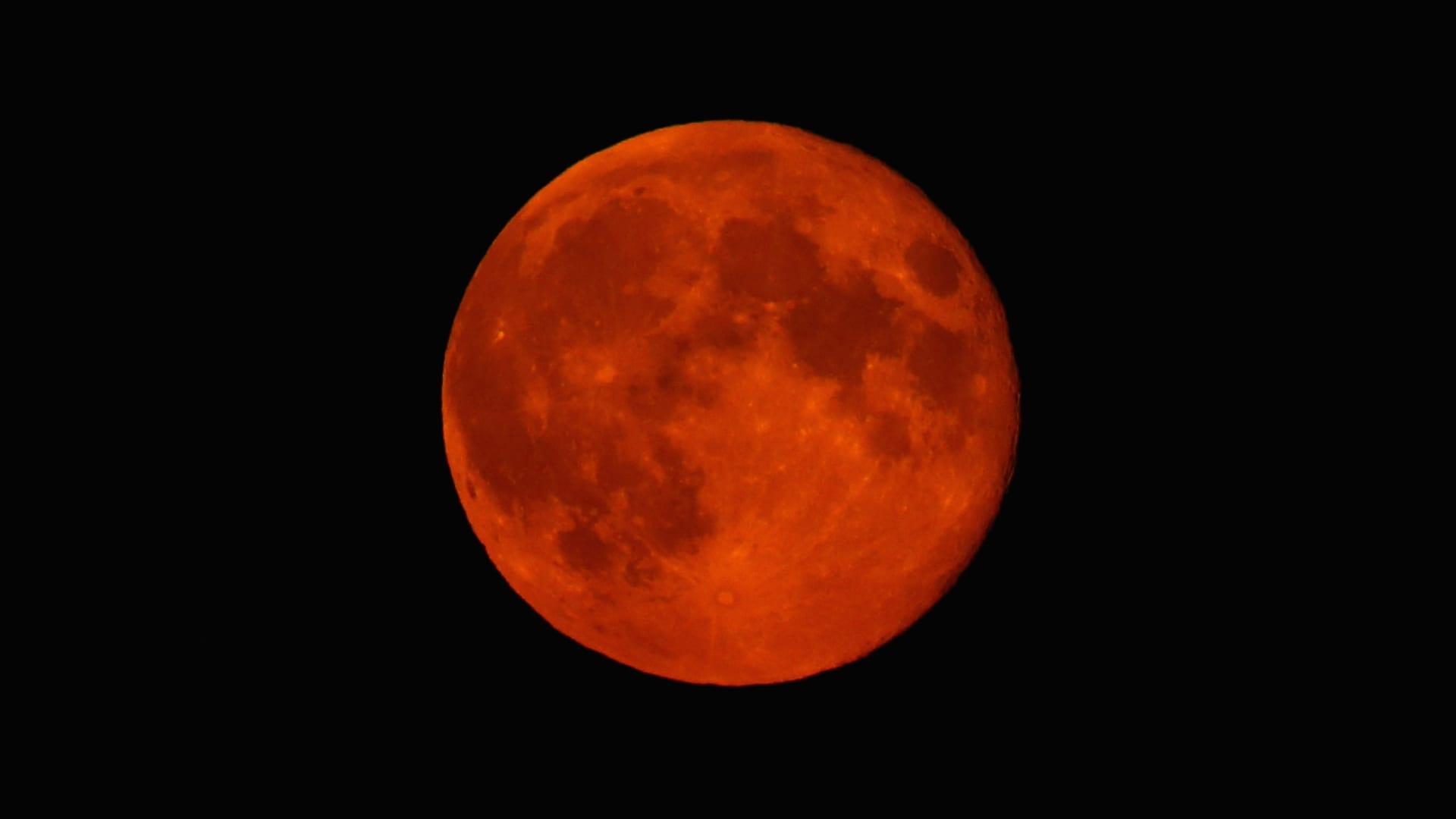 شوهد القمر بحجم أكبر وأكثر سطوعاً ليل الثلاثاء 9 سبتمبر/ أيلول 2014