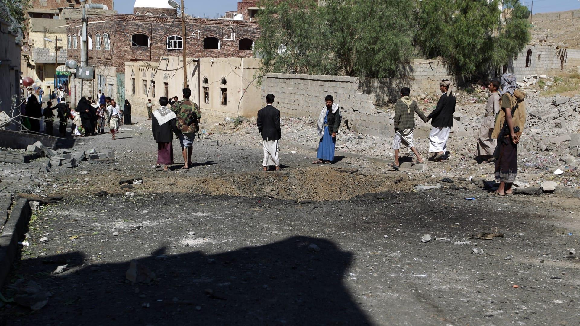 اليمن: تفجير انتحاري في عدن يستهدف منزل مدير الأمن.. وتضارب حول عدد ضحايا الهجوم