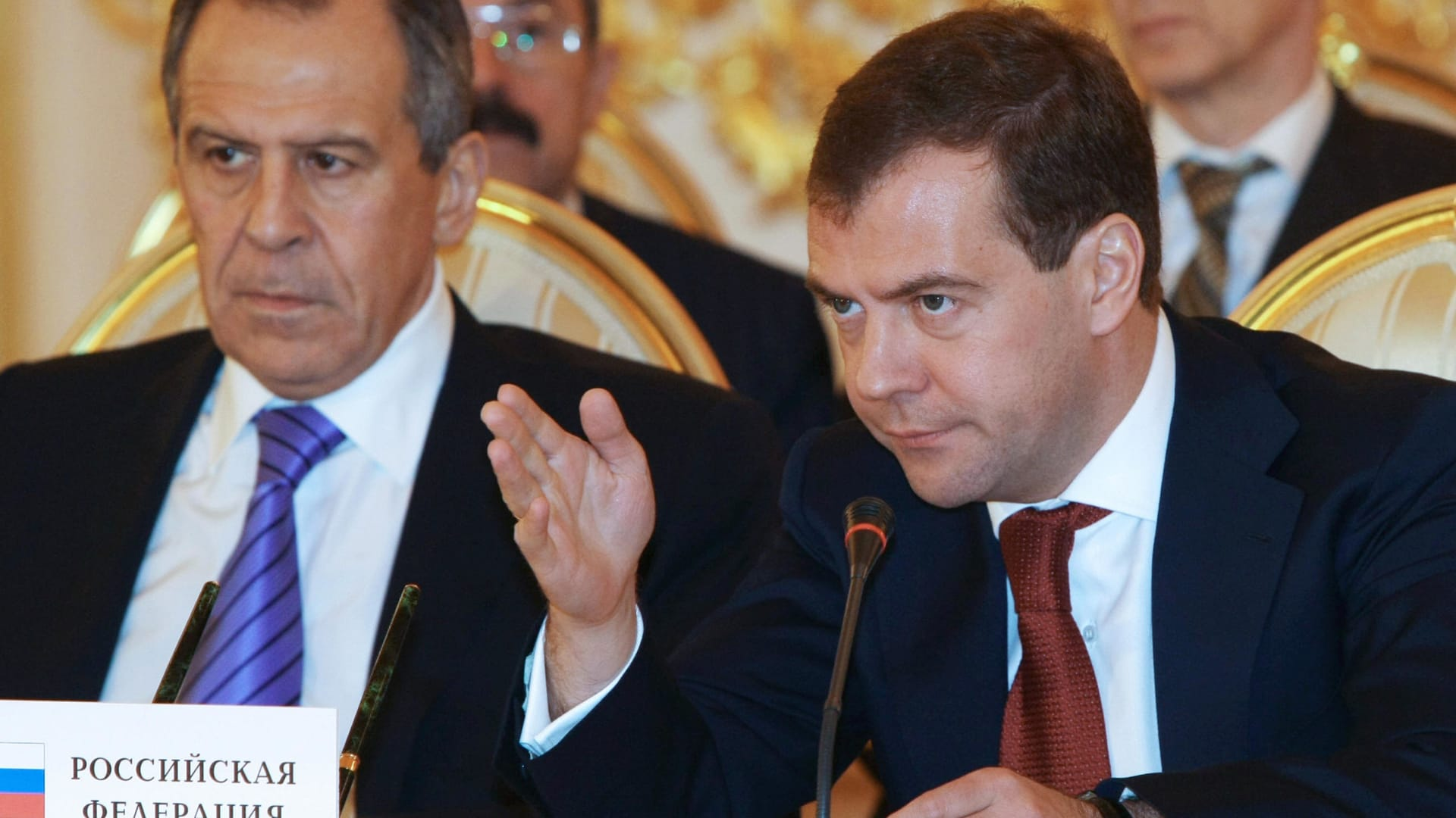 ميدفيديف: مدير الأمن الأوكراني غبي للتلميح بتورط روسيا بتفجيرات بروكسل.. ولافروف إلى أوروبا: تجنبوا الألعاب الجيوسياسية