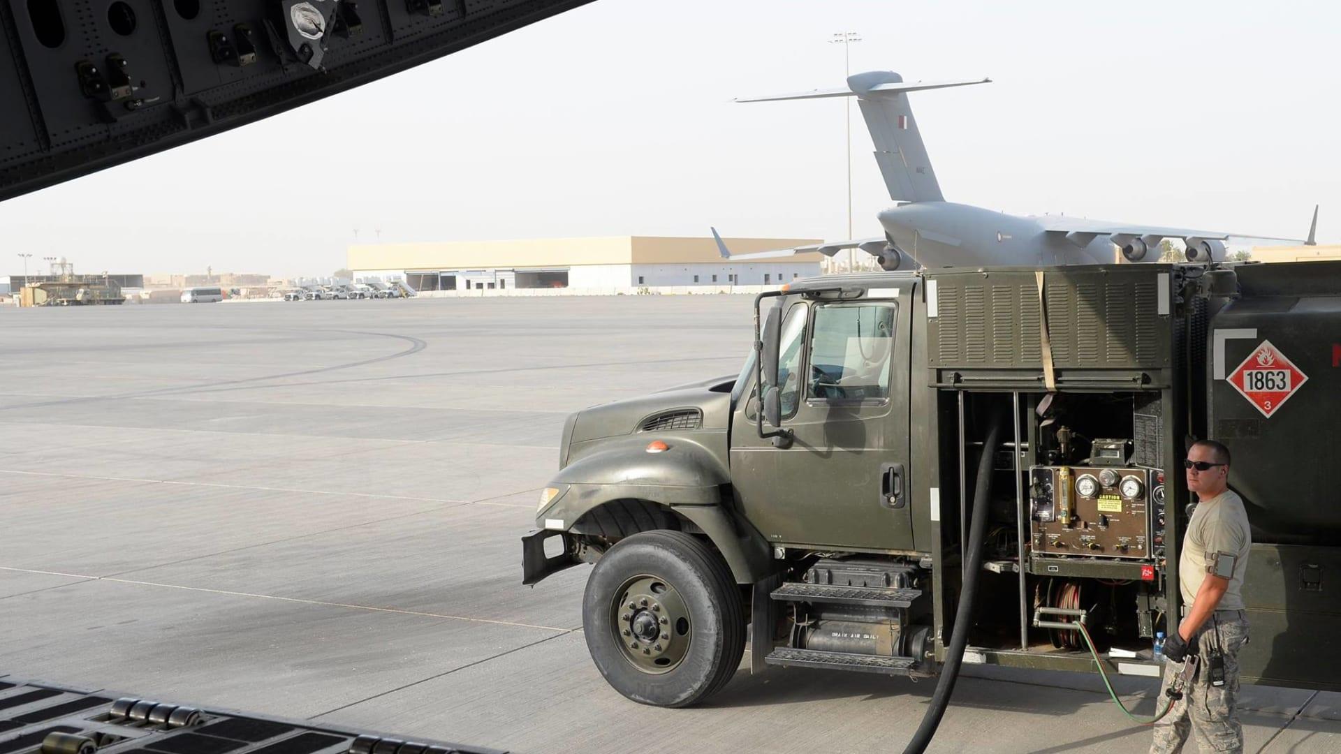 """بالصور.. قوات التحالف الدولي بقيادة أمريكا تقول بالعربية: """"لا لداعش"""""""