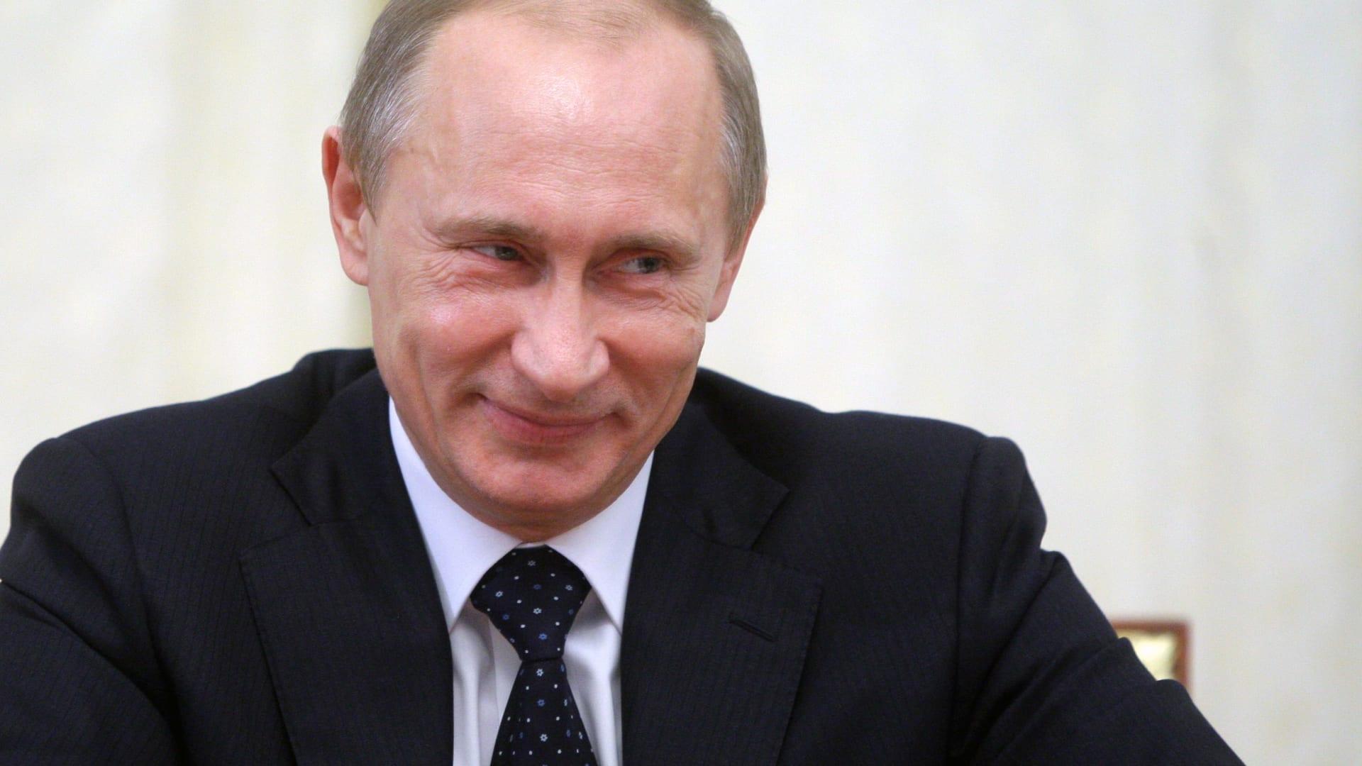 """روسيا: حزب بوتين """"روسية الموحدة"""" ينتصر بأغلبية الأصوات في الانتخابات البرلمانية"""