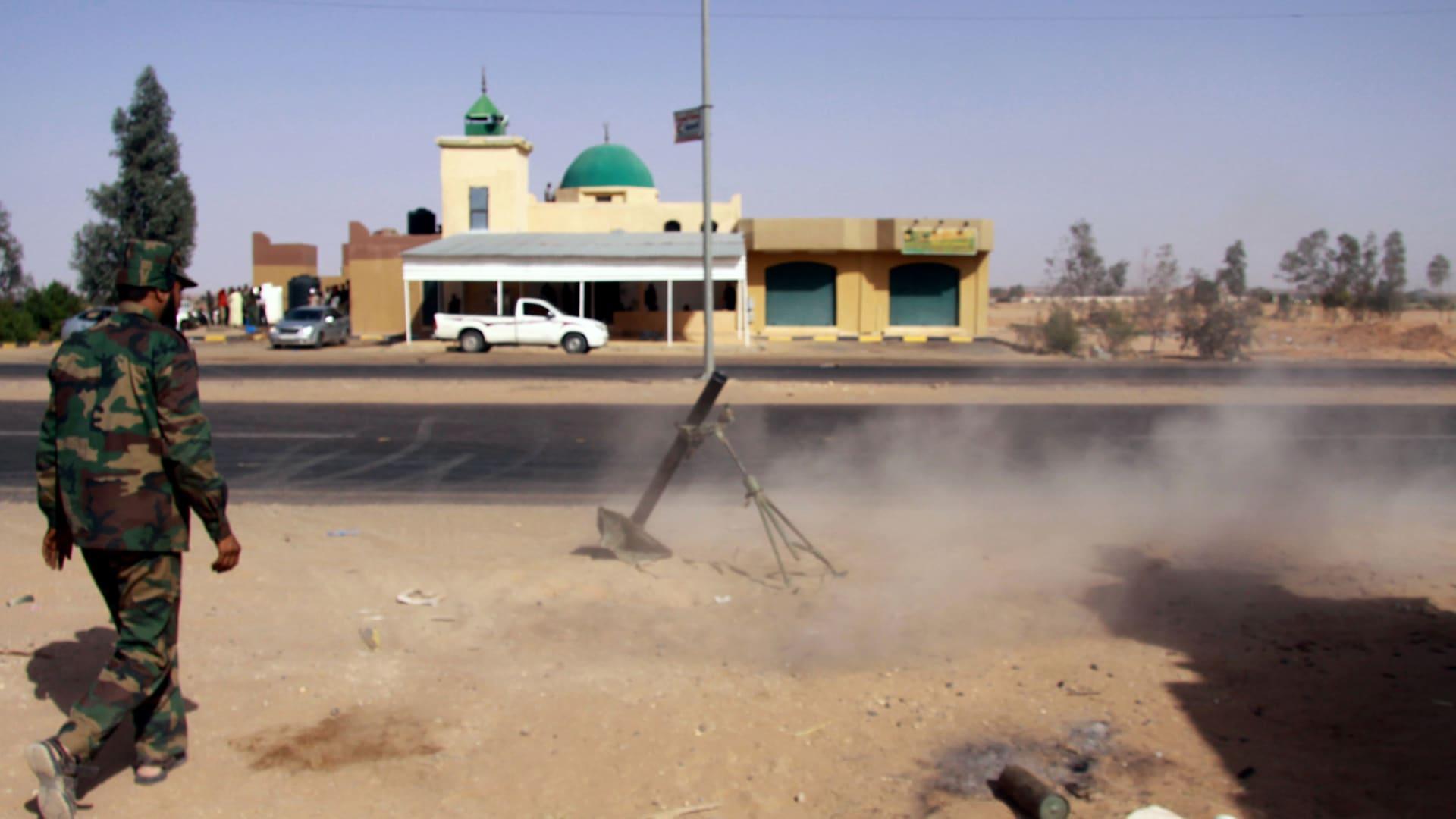 سكان محليون لـCNN: هجوم قرد يشعل اشتباكات دامية في ليبيا