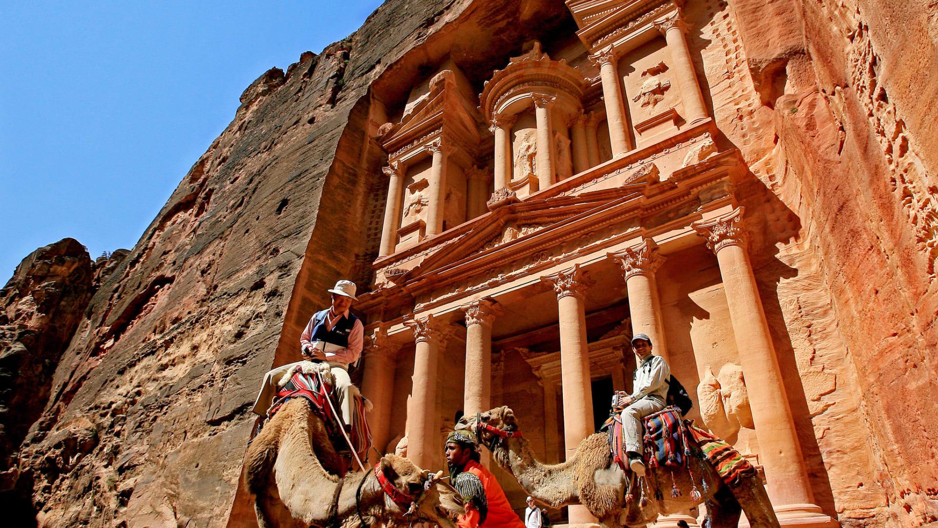 بينها الأردن.. عشر أماكن ننصحك بزيارتها في العام 2017