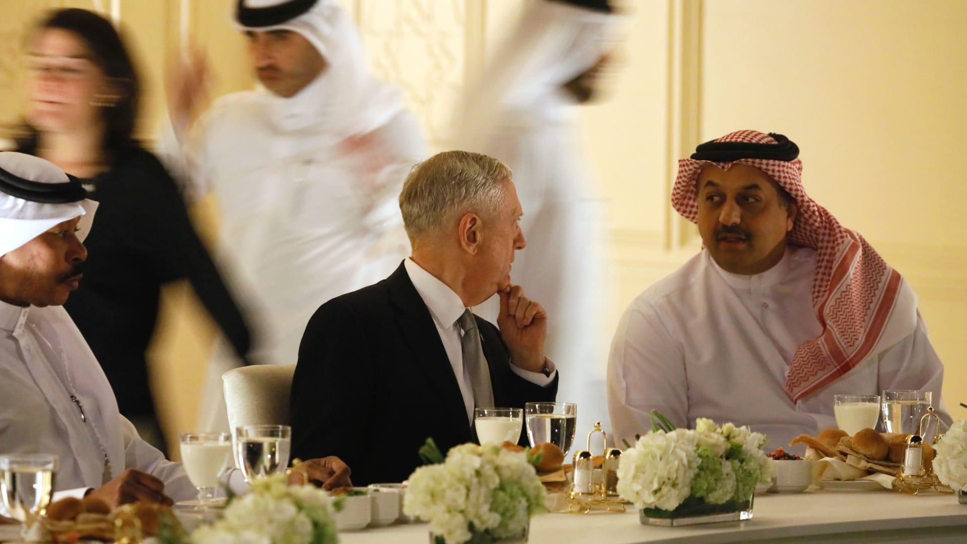 وزير الدفاع الأمريكي يؤكد أهمية مساهمة قطر في التحالف ضد داعش