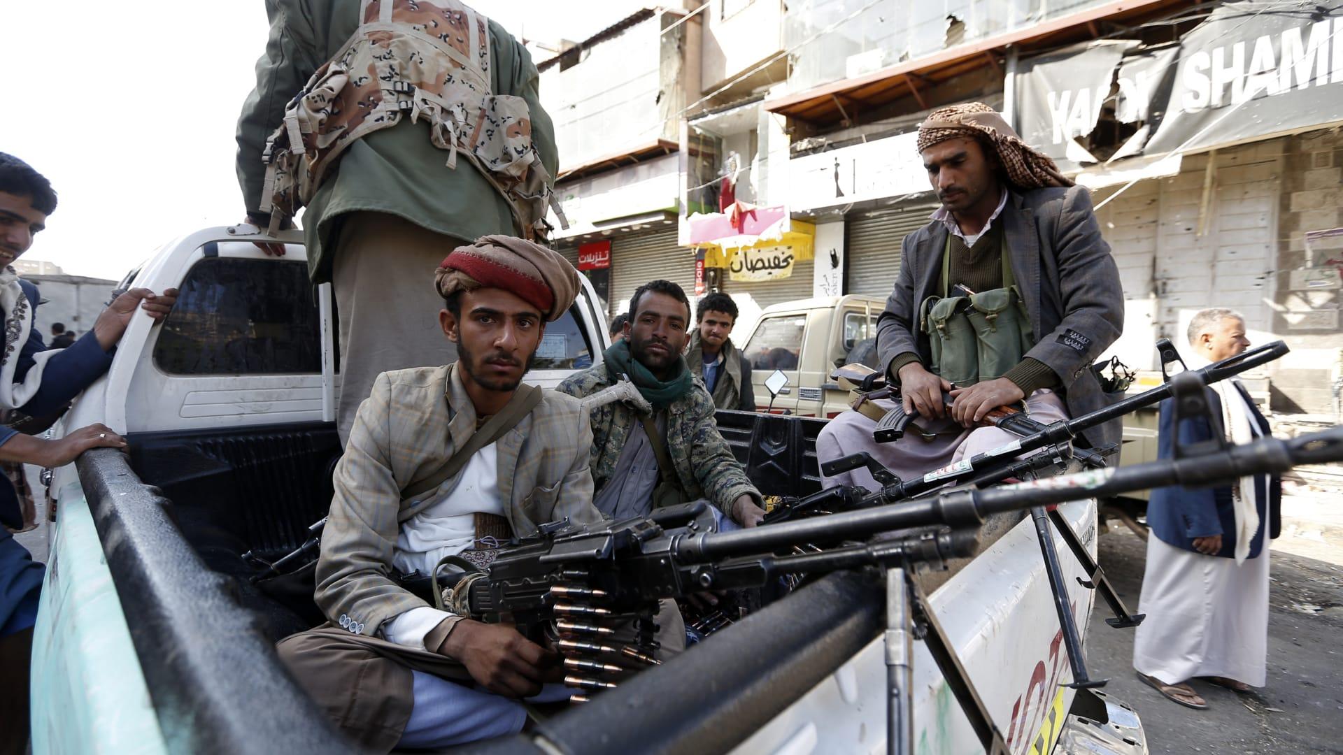 وزير يمني: ألف قتيل على يد الحوثي وصنعاء مدينة رعب