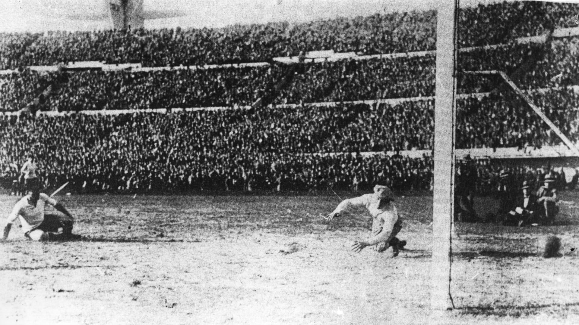 حكاية مونديال 1930.. أوروغواي تقلب الطاولة على الأرجنتين وملك بلجيكا يختار تشكيلة منتخبها