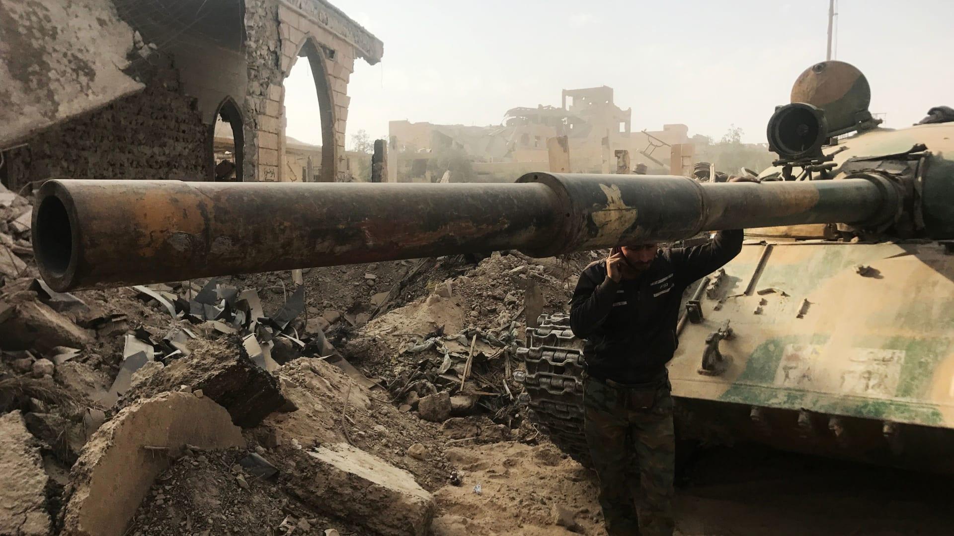 الجيش الأمريكي: قوات موالية للنظام السوري تحتشد قبالة مواقعنا