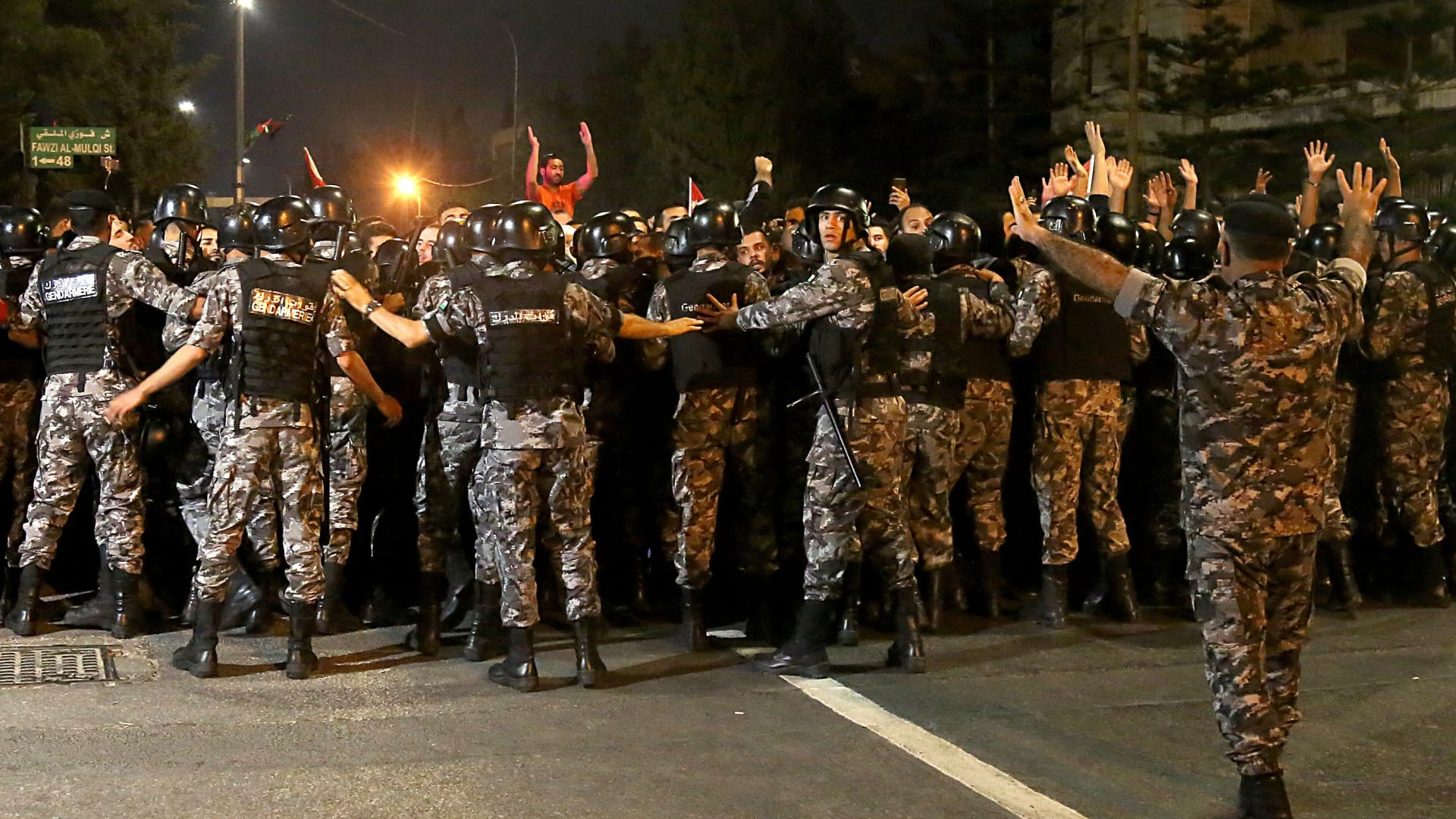 الأمن العام والدرك: لا وجود لبؤر ساخنة.. واعتقلنا 8 أشخاص غير أردنيين
