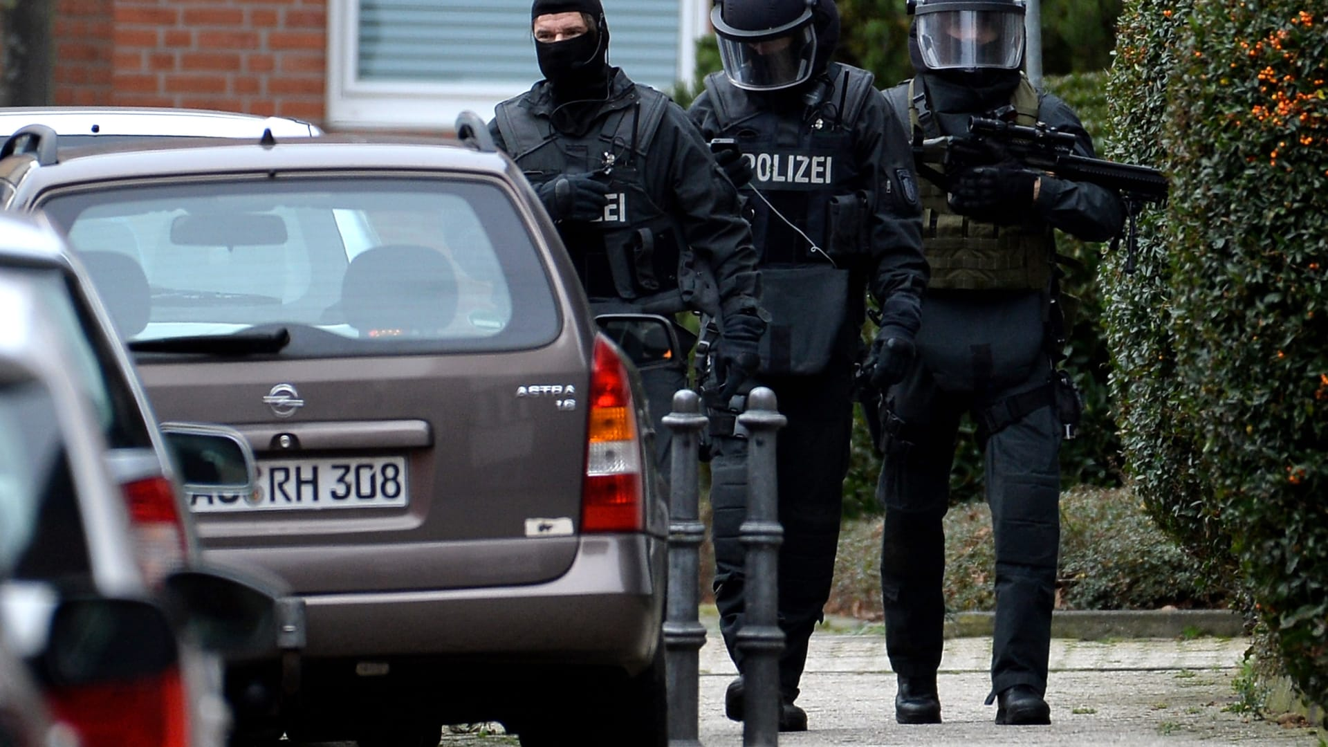 """ألمانيا تعتقل تونسيا صنع مادة """"الريسين"""" الكيماوية بمنزله"""