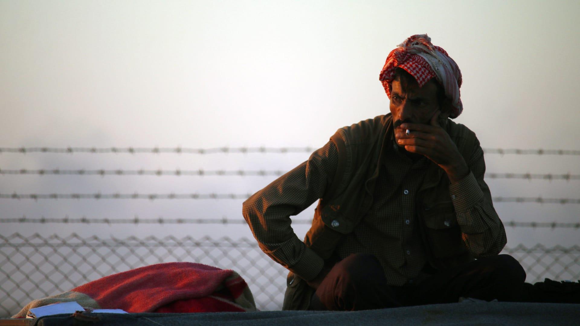 الحكومة الأردنية: قضية تصنيع الدخان ليست فردية.. ومحامي المشتبه به: قرار عودته بيده